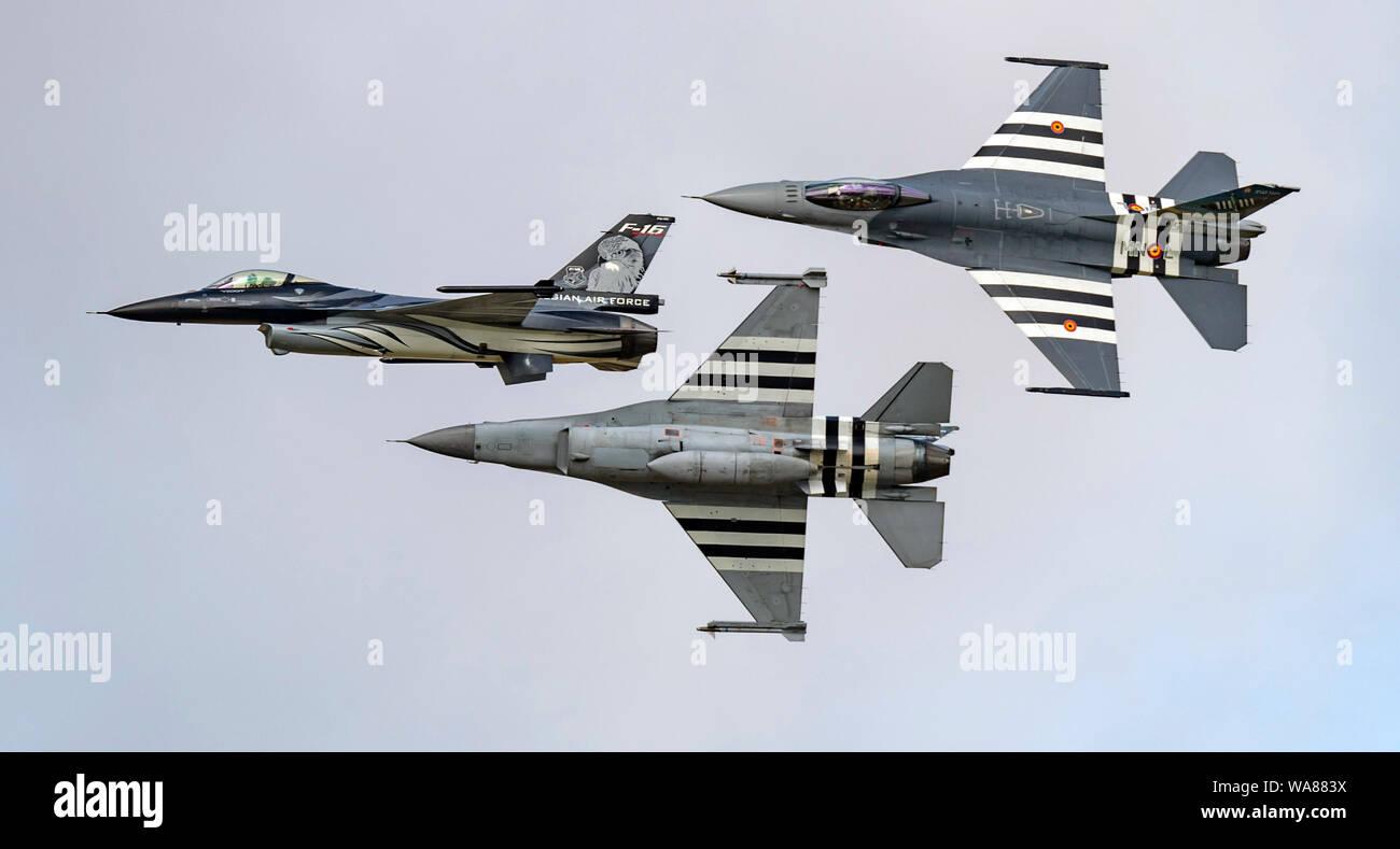 F-16 En vedette dans Airfraft le défilé aérien de l'OTAN 70e anniversaire du Royal International Air Tattoo 2019 à partir de la 2e escadre de la composante aérienne belge;; Kleine Brog Banque D'Images
