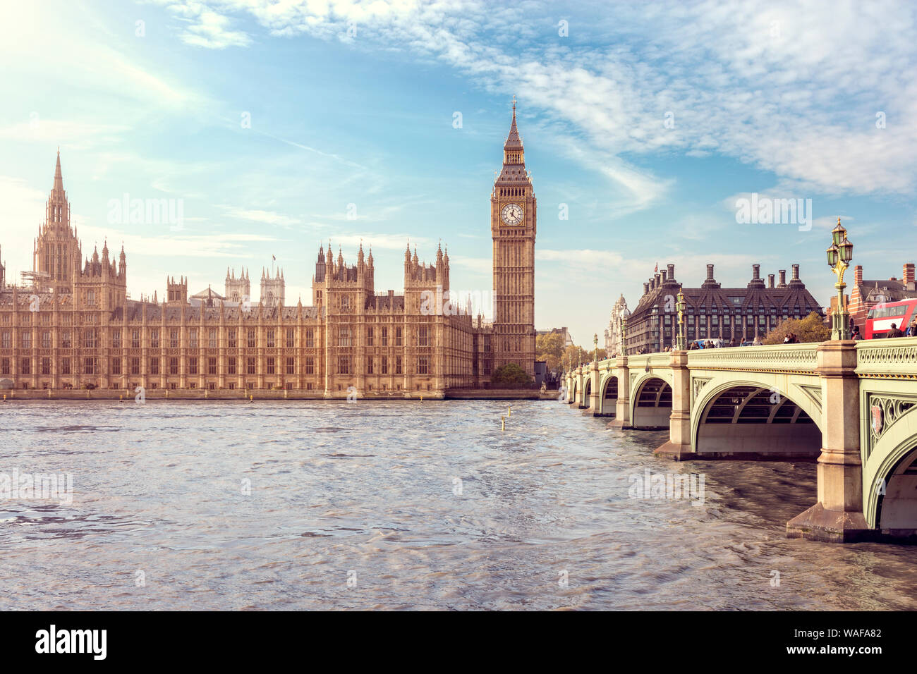 Big Ben, le Parlement et le pont de Westminster à Londres, en Angleterre Banque D'Images