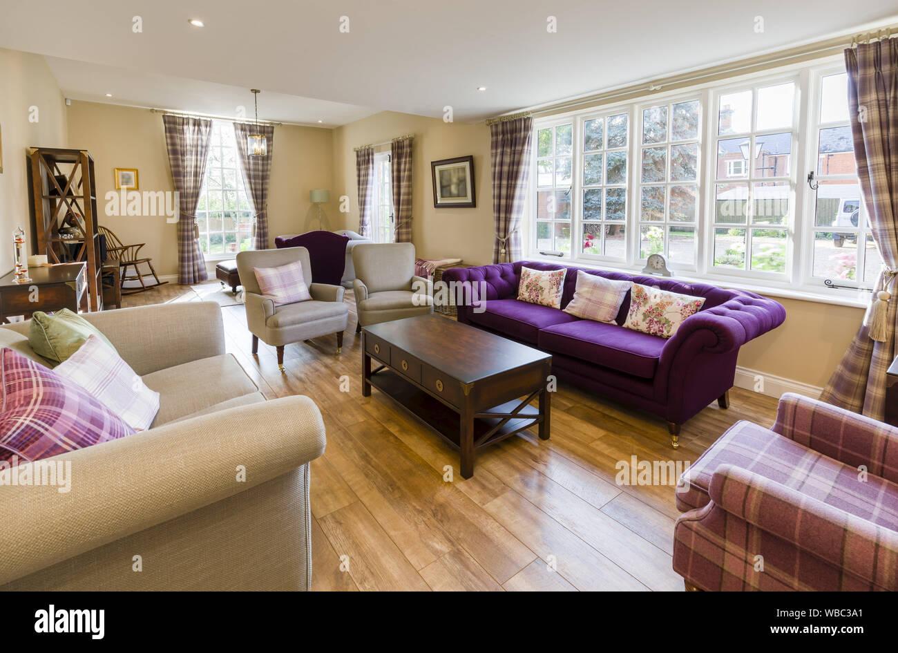 Salon moderne intérieur d\'une maison de luxe Banque D\'Images ...