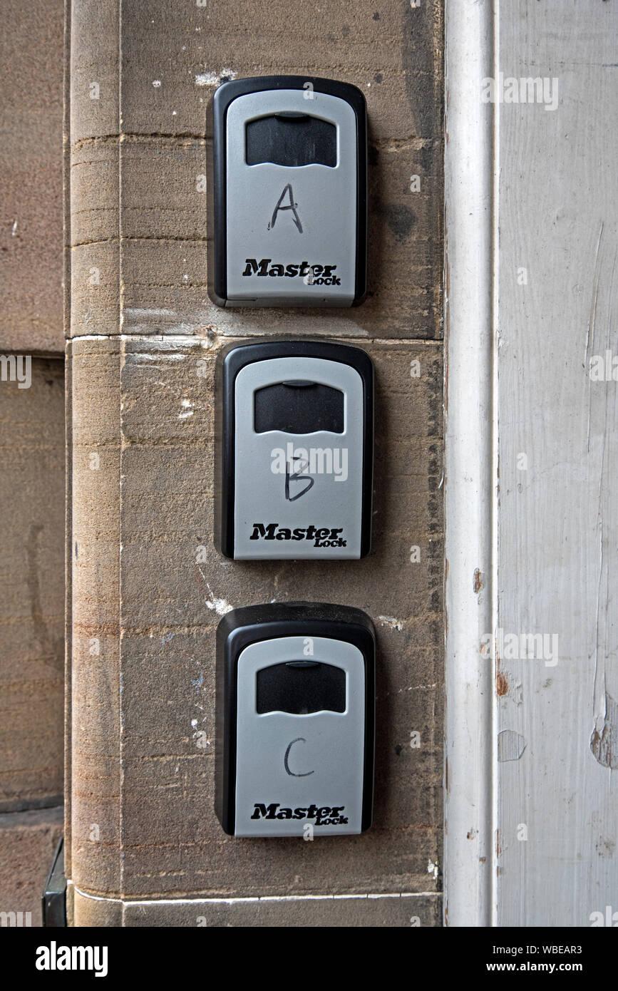 Un coffre-fort pour les clés ou à court terme vous permet de