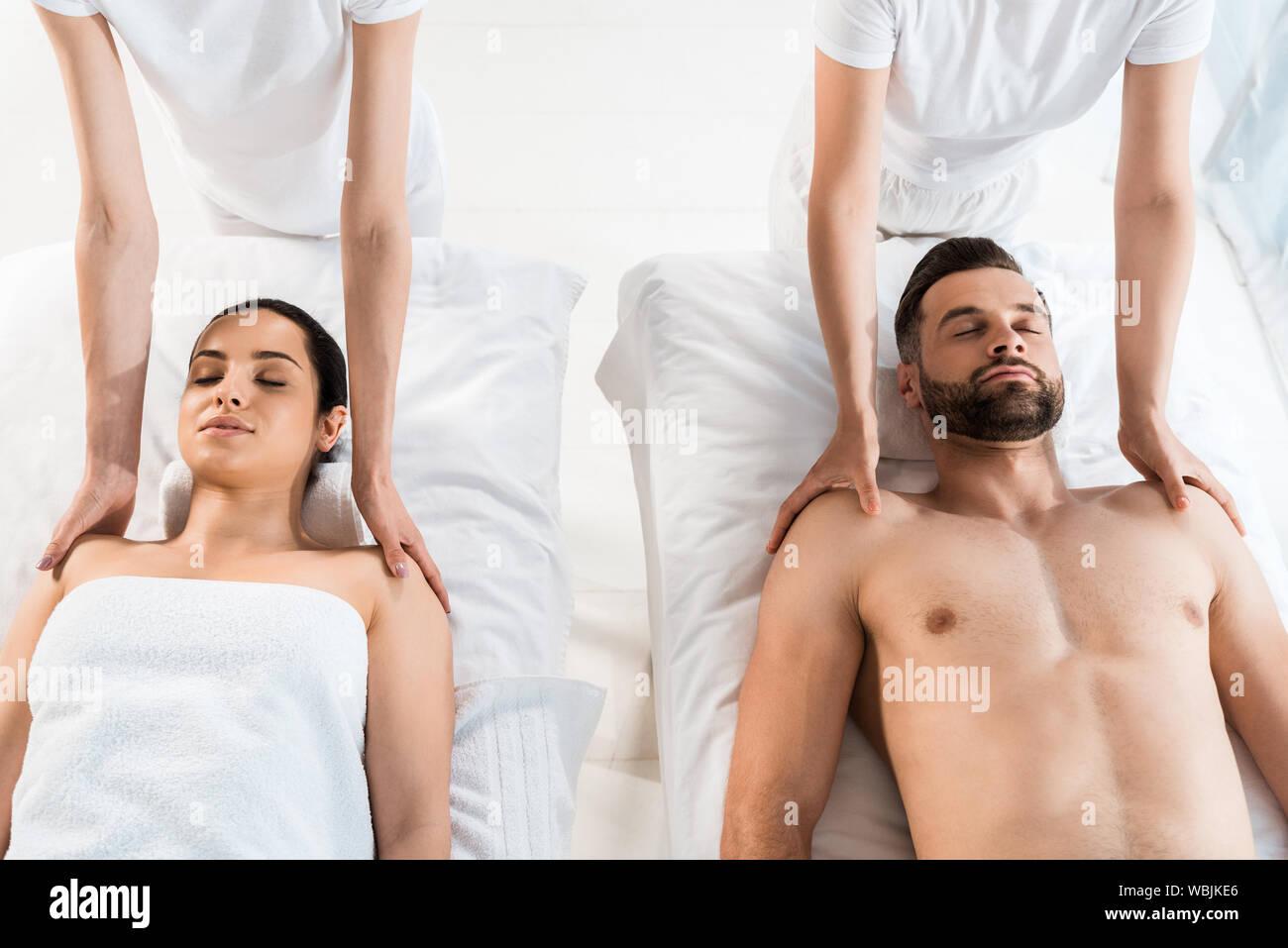 Massage pour homme nu