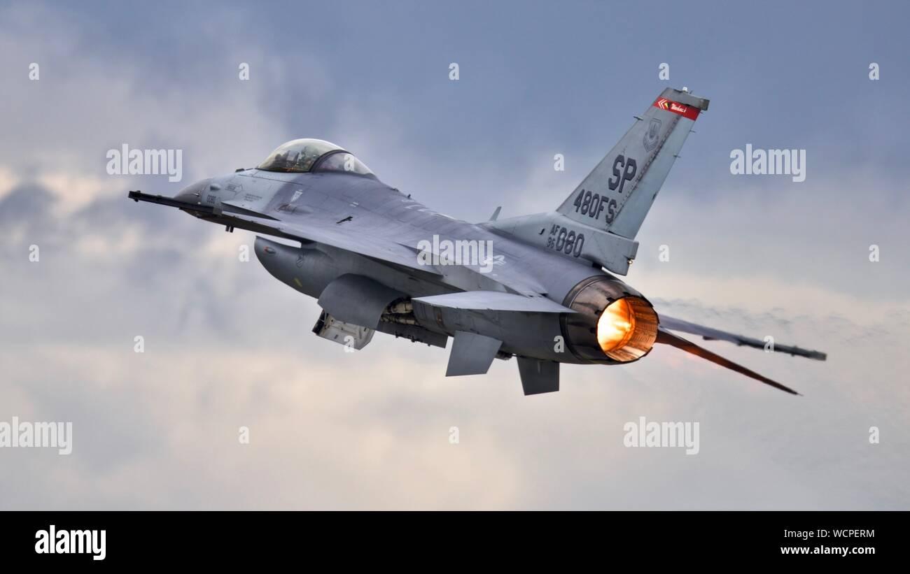 United States Air Force F-16 Viper à l'équipe de démonstration de Royal International Air Tattoo 2019 Banque D'Images