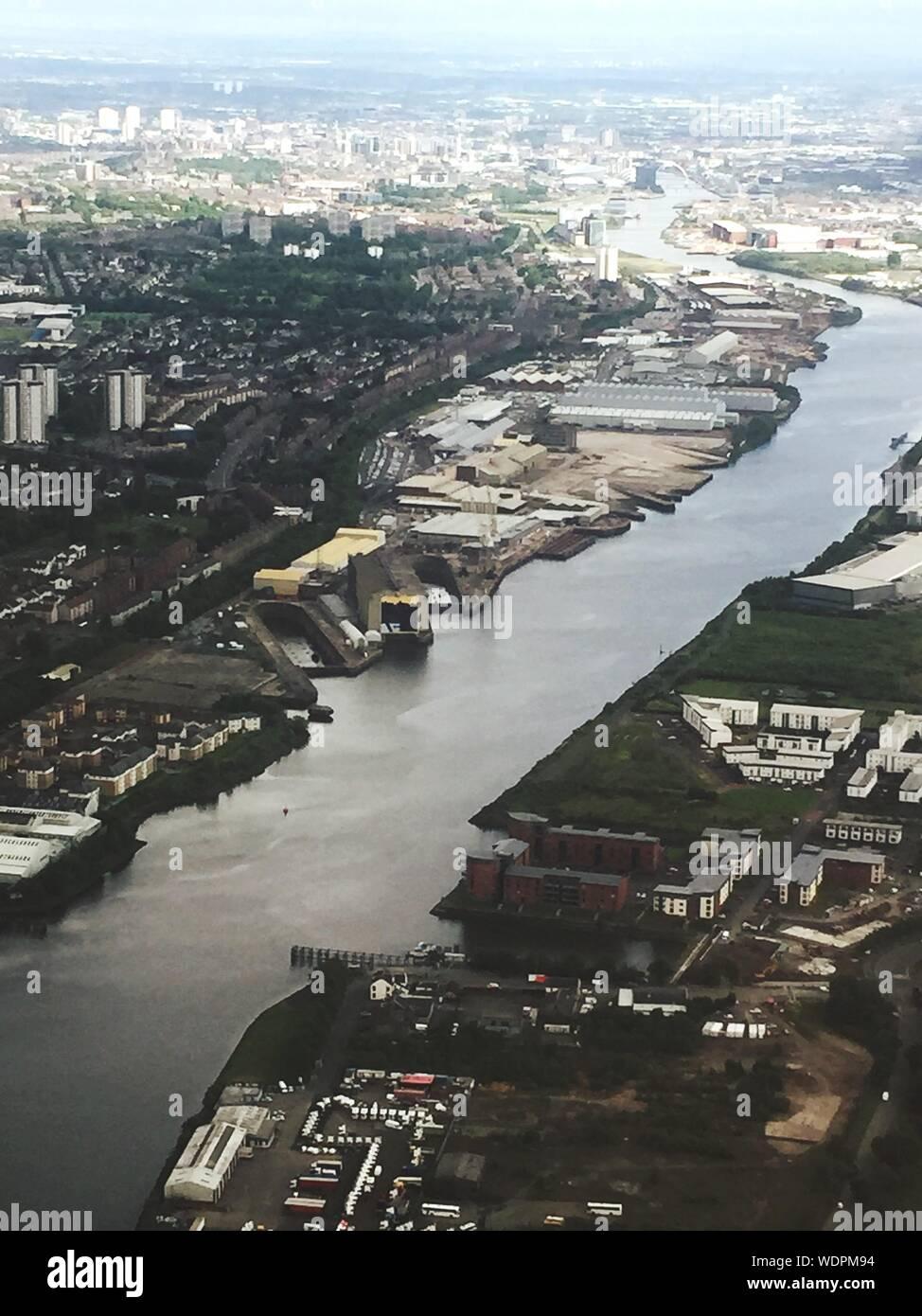 Vue aérienne de Clyde River et de Construction de ville Banque D'Images