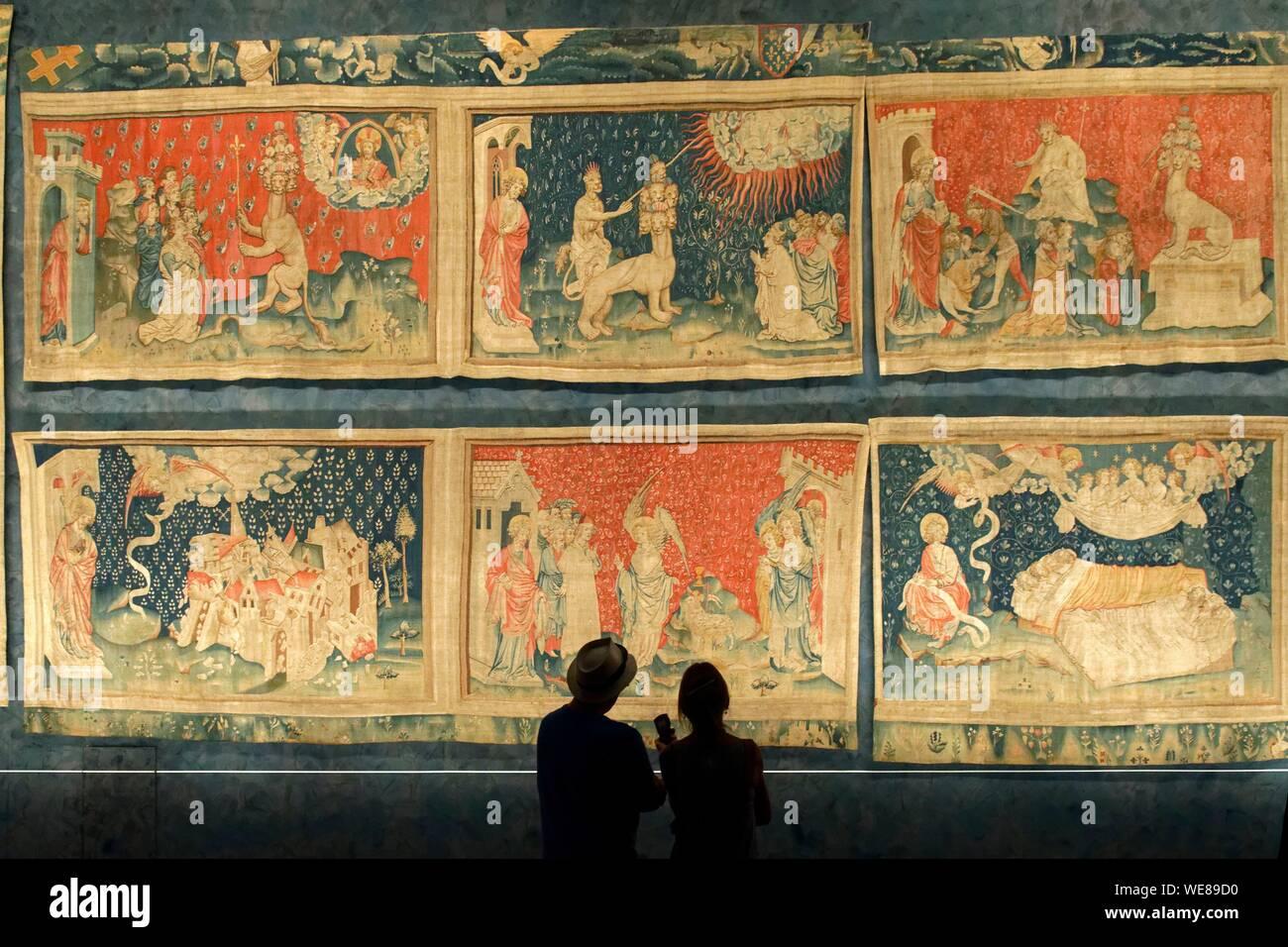 France Maine Et Loire Angers Le Chateau Des Ducs D Anjou Construit Par Saint Louis La Tenture De L Apocalypse Photo Stock Alamy