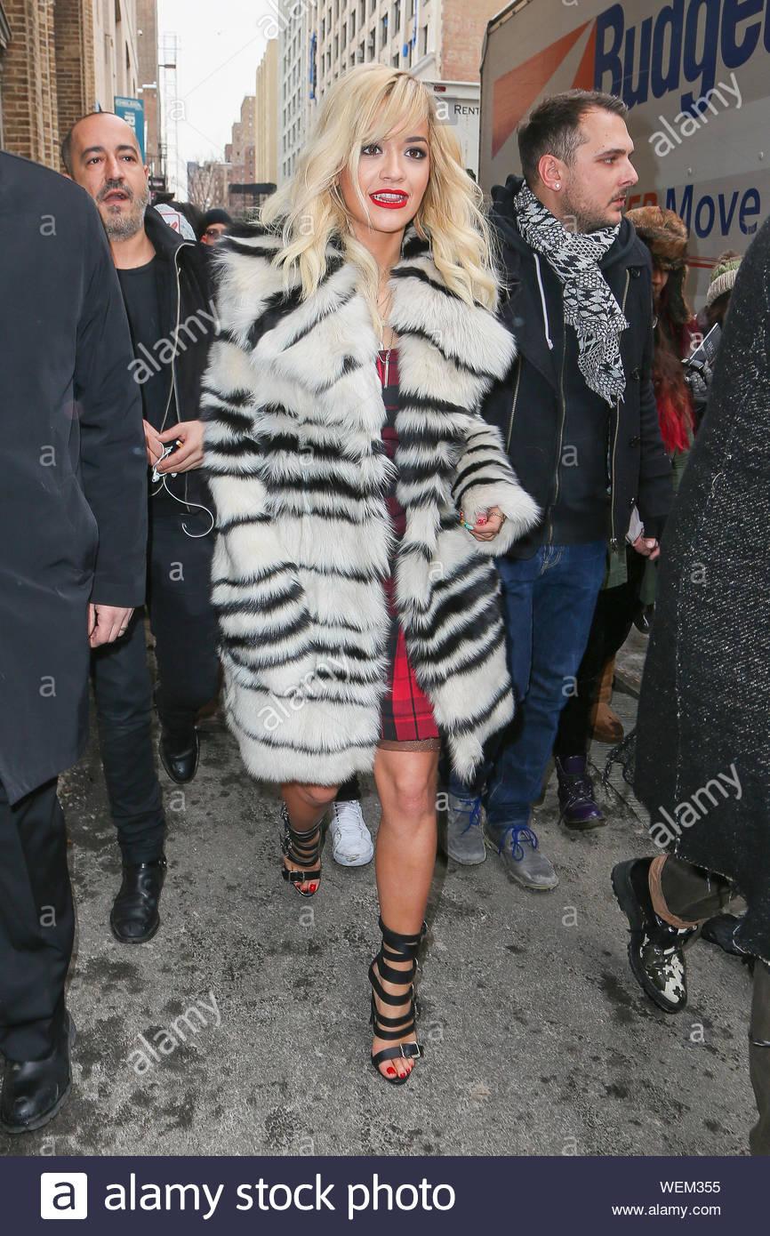 New York Ny Auteur Compositeur Interprete Britannique Actrice Rita Ora Ressemble A La Mode Chic Comme