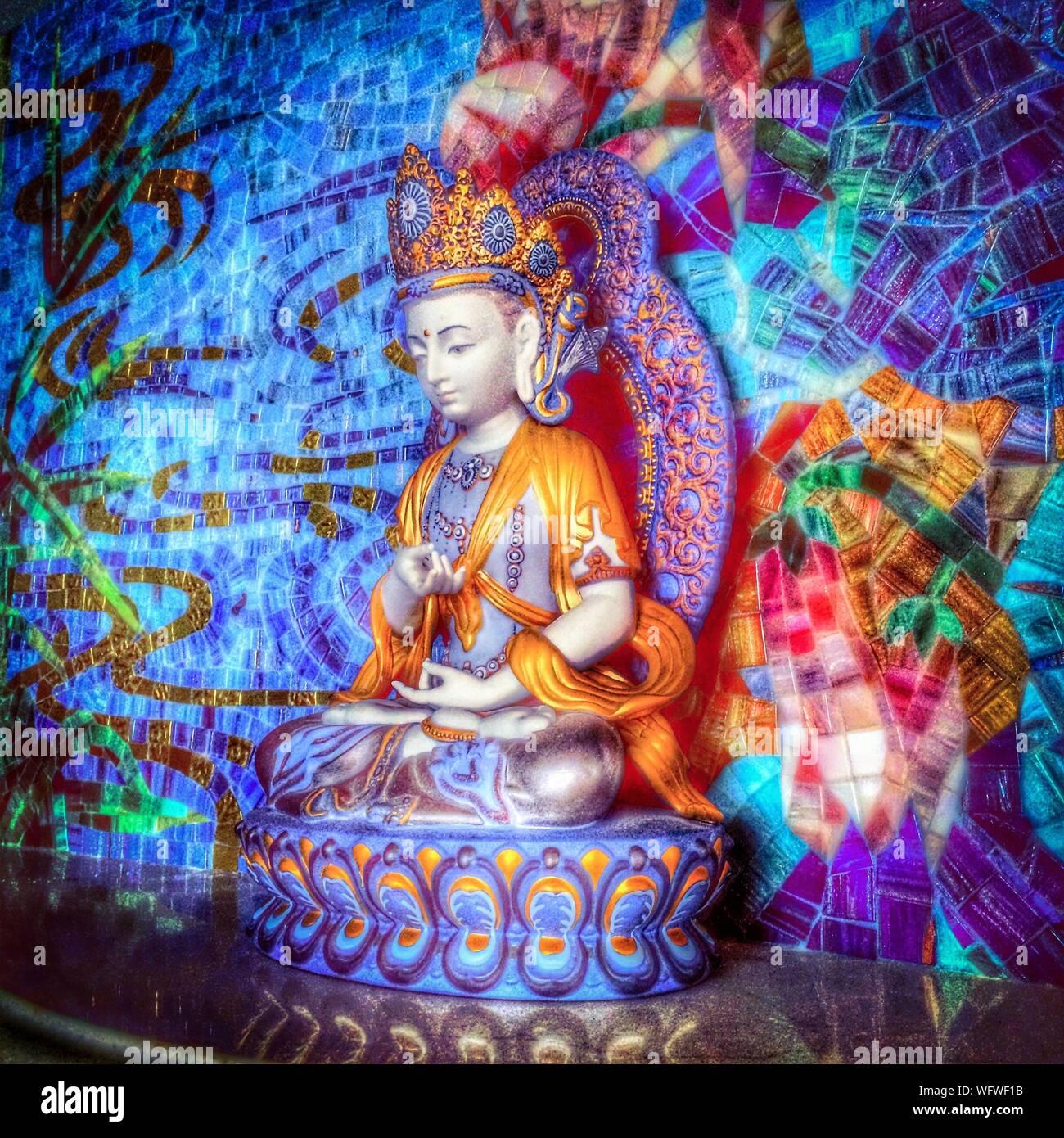 Statue de Bouddha en Chambre artistique Banque D'Images