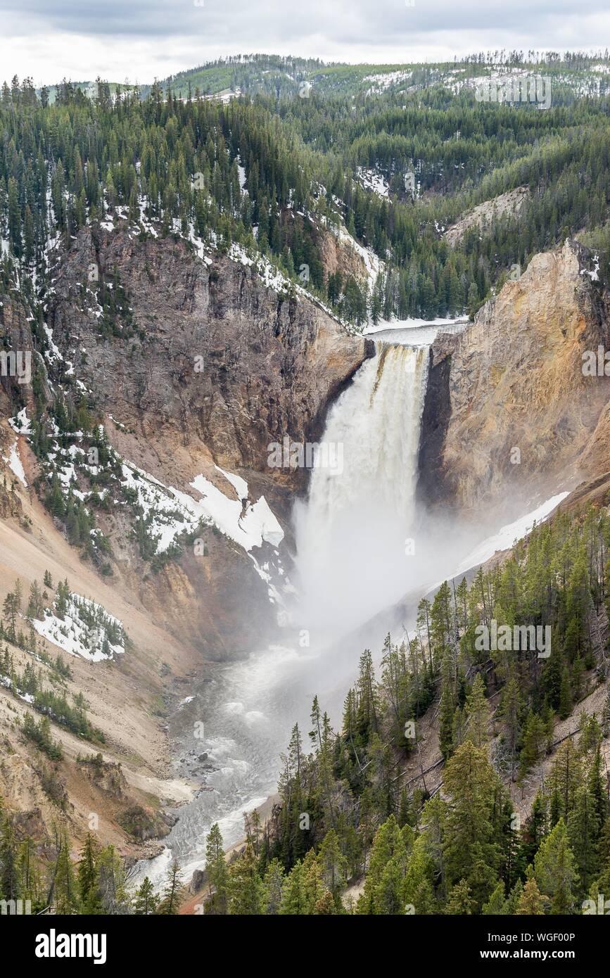 Vue panoramique de Cascade Against Sky Banque D'Images