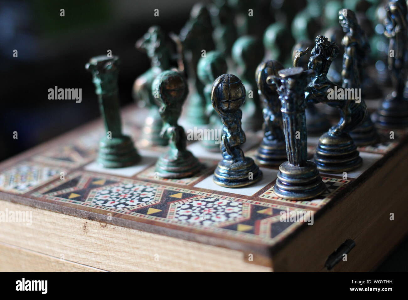 Close-up of Chess Pieces On Board Banque D'Images