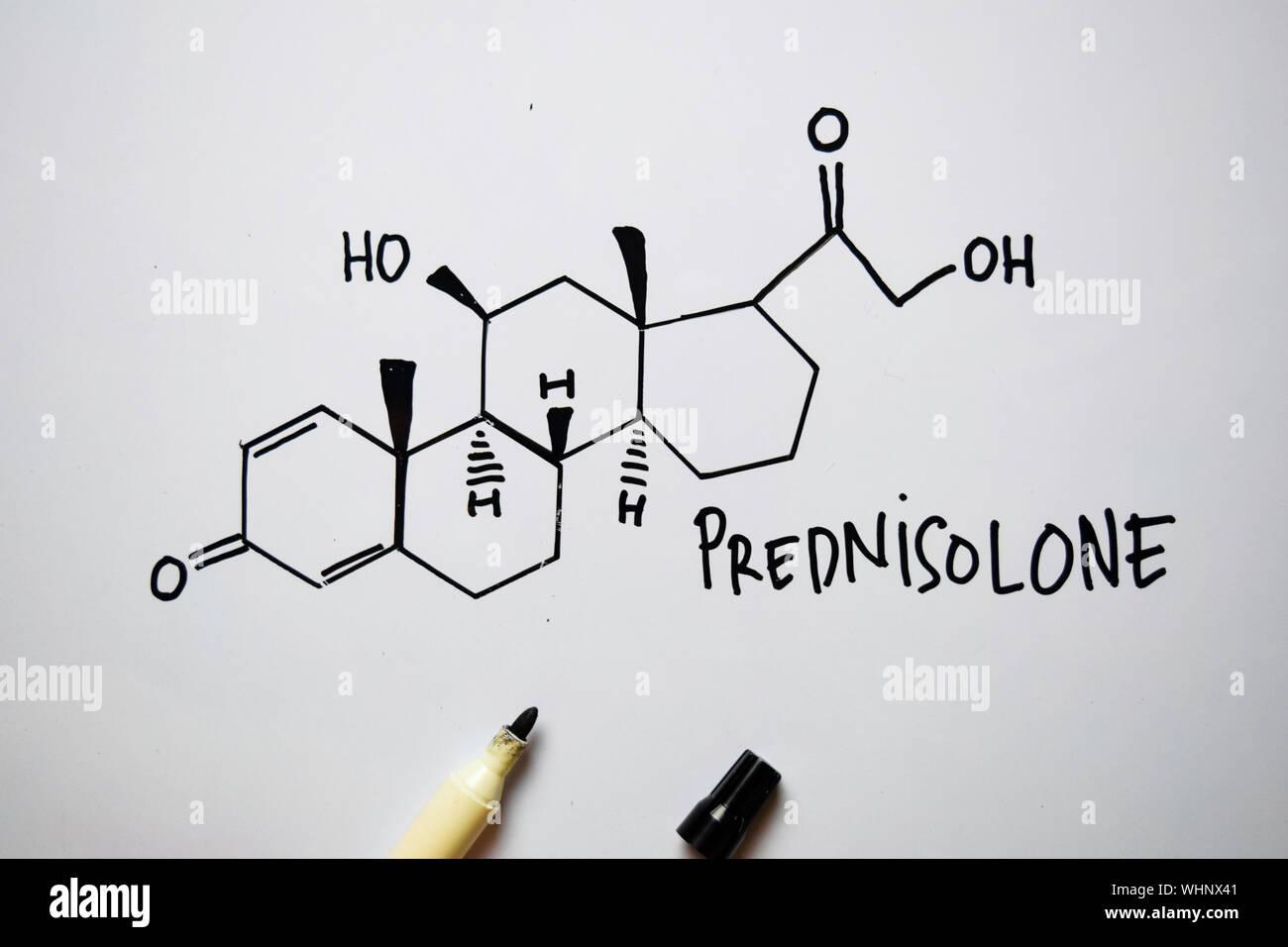 Molecule Prednisolone Ecrit Sur Le Tableau Blanc Formule Chimique Structurels Concept De L Education Photo Stock Alamy