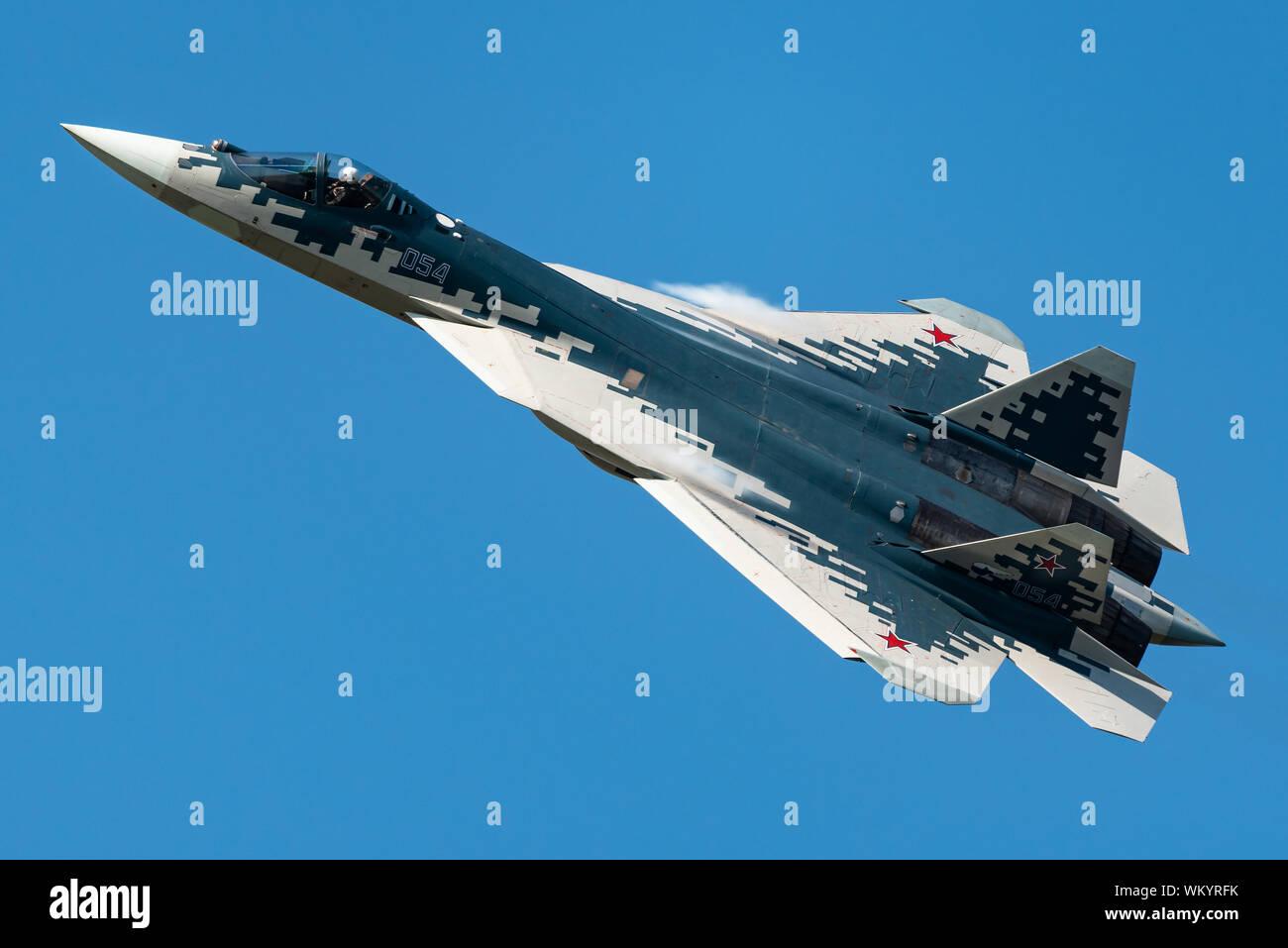 Le Sukhoi Su-57 stealth fighter jet de la Force aérienne russe au salon MAKS airshow 2019. Banque D'Images