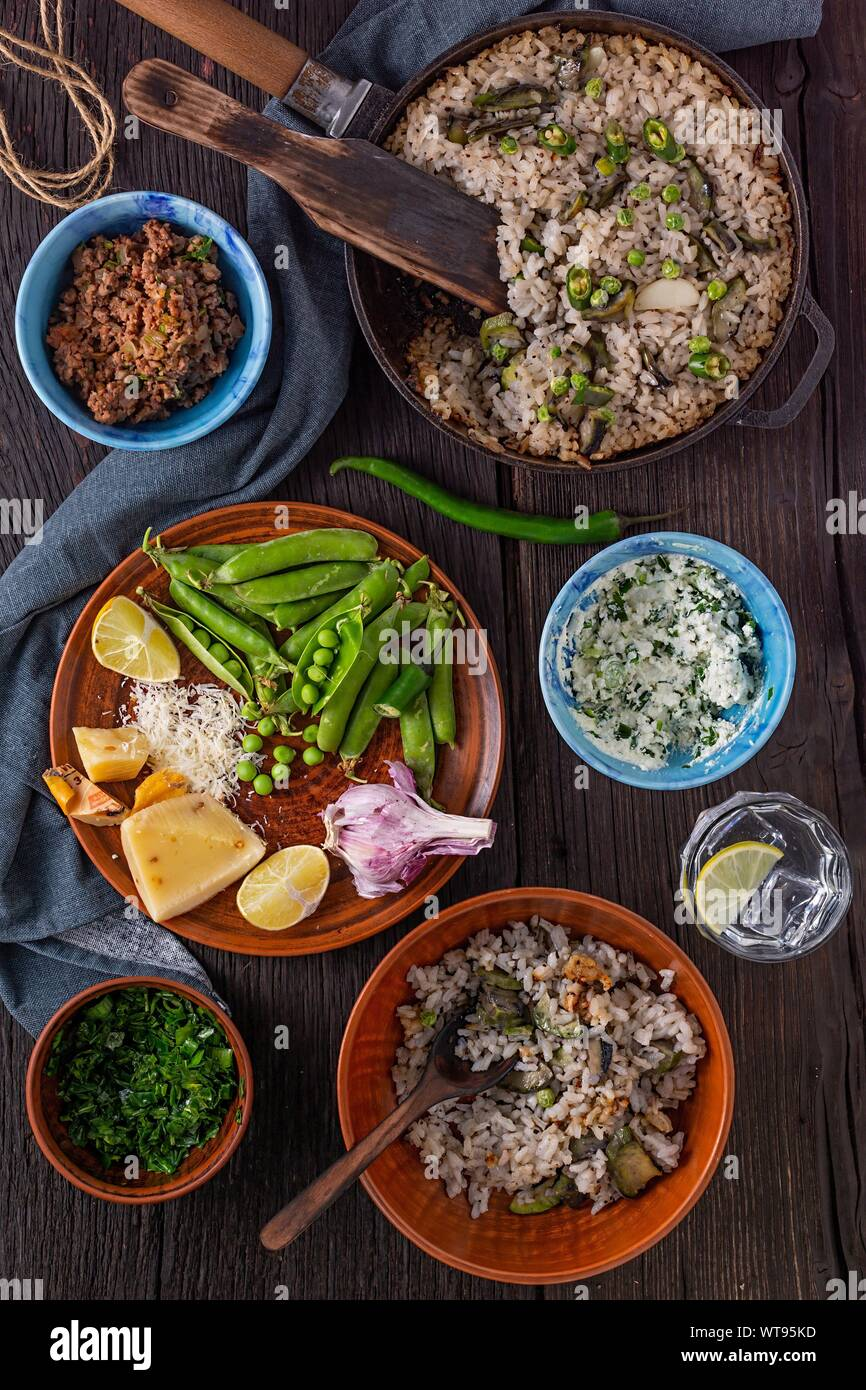 Les sautés, biryani, ananas riz frits, légumes, oeufs au plat, biryani riz arborio, veg pulao, risotto de légumes, pulao recette, riz brun Banque D'Images