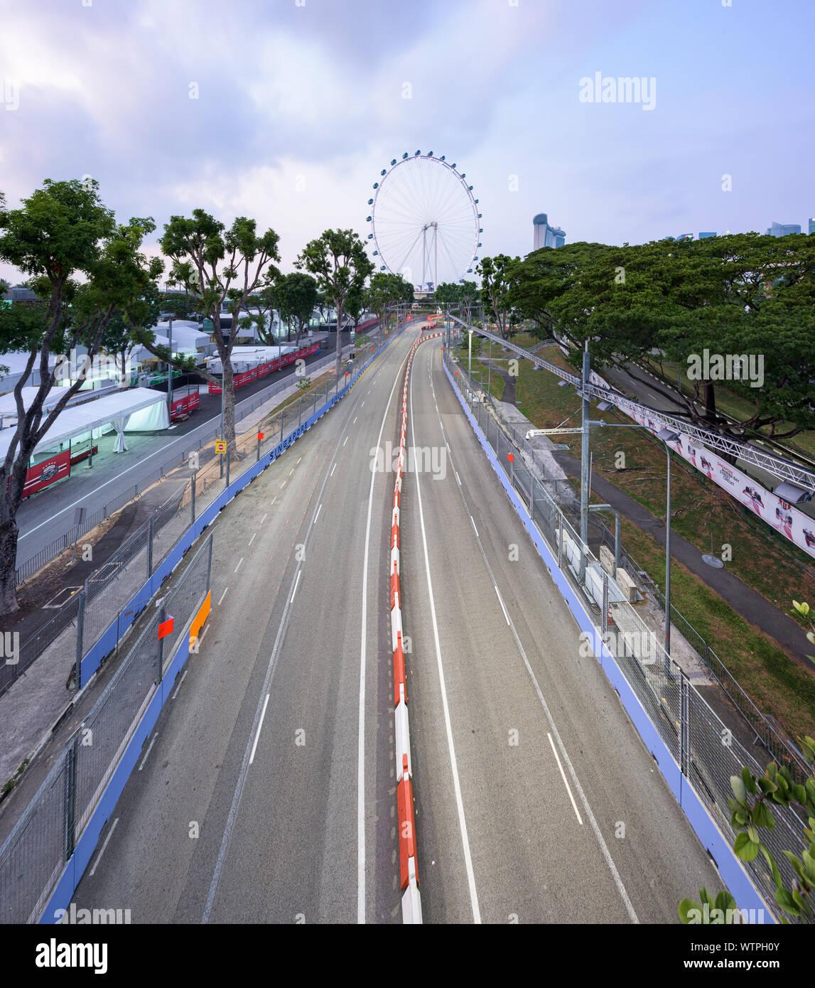 Singapour - 9 Sep 2019: le circuit de Marina Bay Street s'apprête à accueillir la course de nuit de Singapour Grand Prix de Formule 1. La piste est passin Banque D'Images