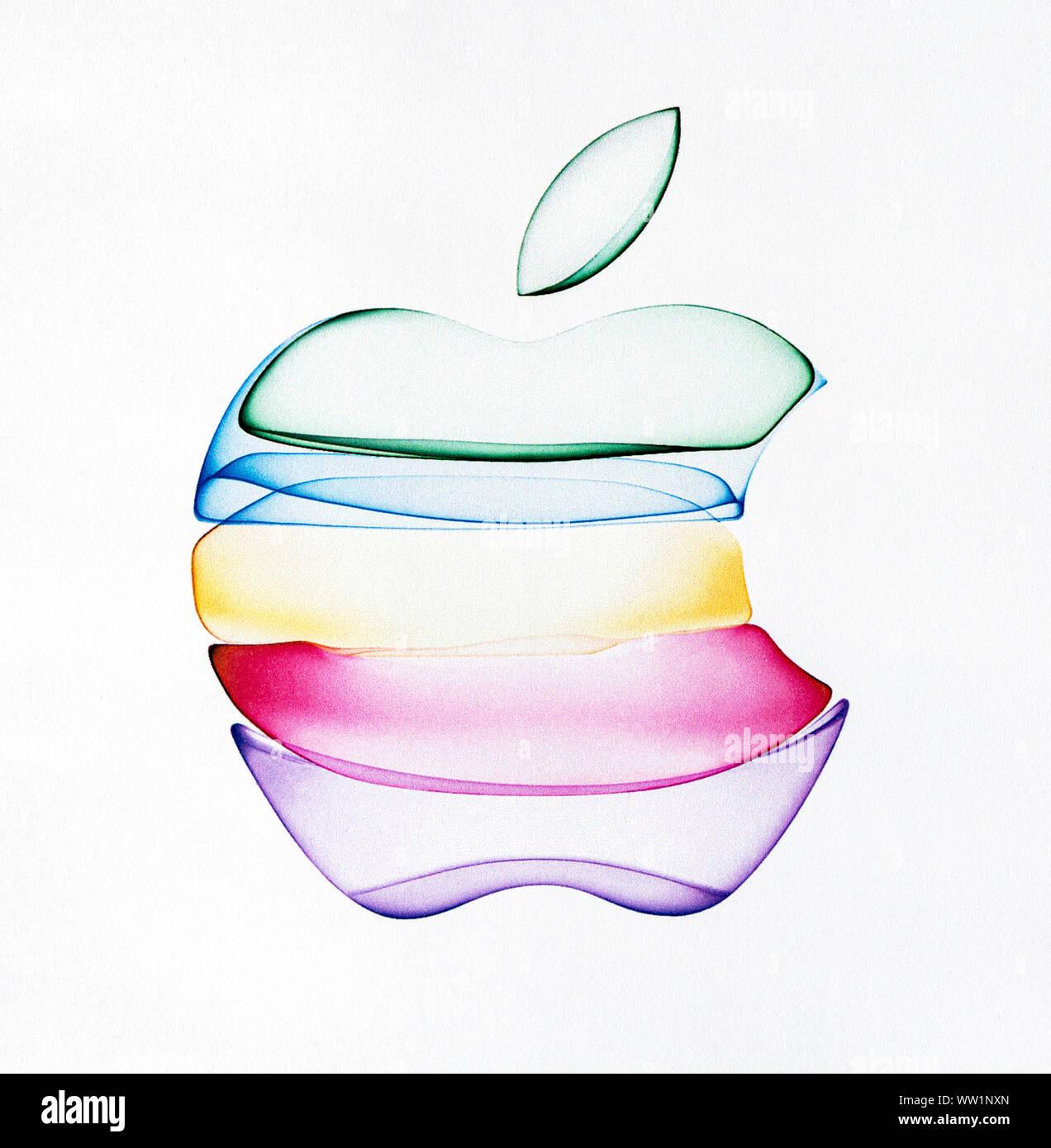 Kiev, Ukraine - le 12 septembre 2019: un nouveau logo de l'entreprise Apple imprimés sur un papier blanc. Banque D'Images