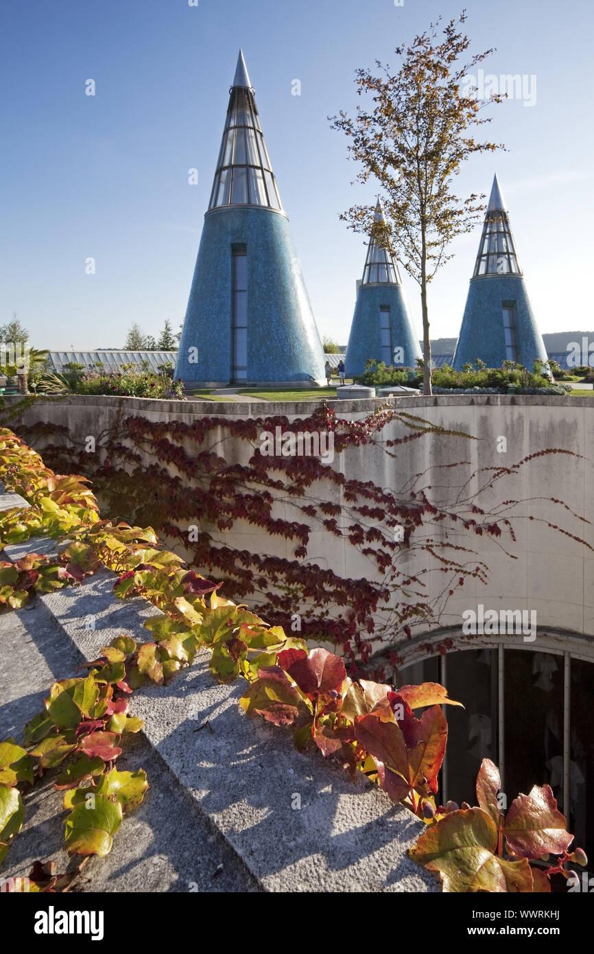 Jardin sur le toit de l'art et de l'Exhibition Hall avec puits de lumière conique, Bonn, Allemagne Banque D'Images