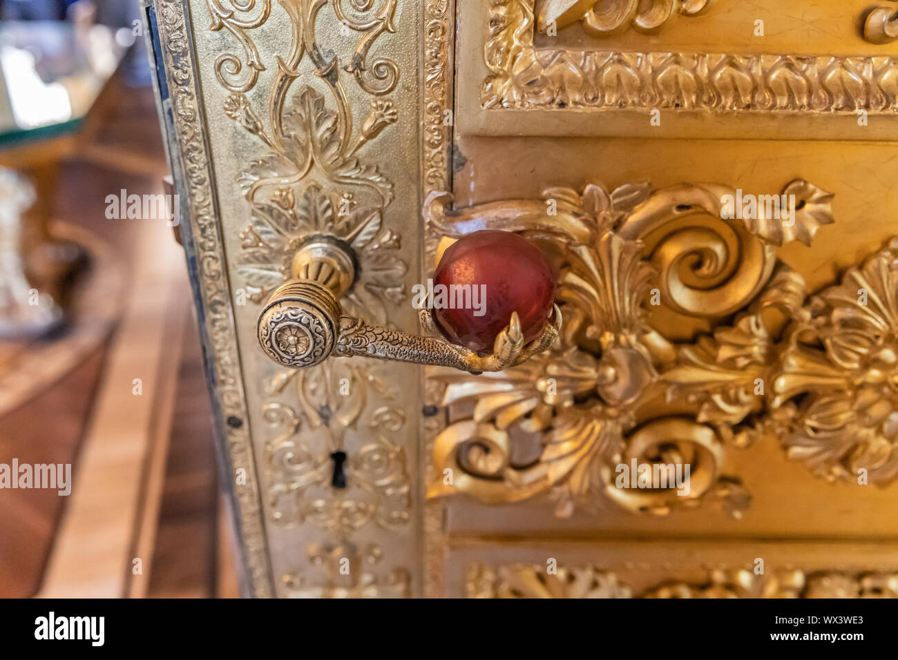 , Or doré, intérieur de l'Ermitage , Palais d'hiver, à Saint Petersburg, Russie Banque D'Images