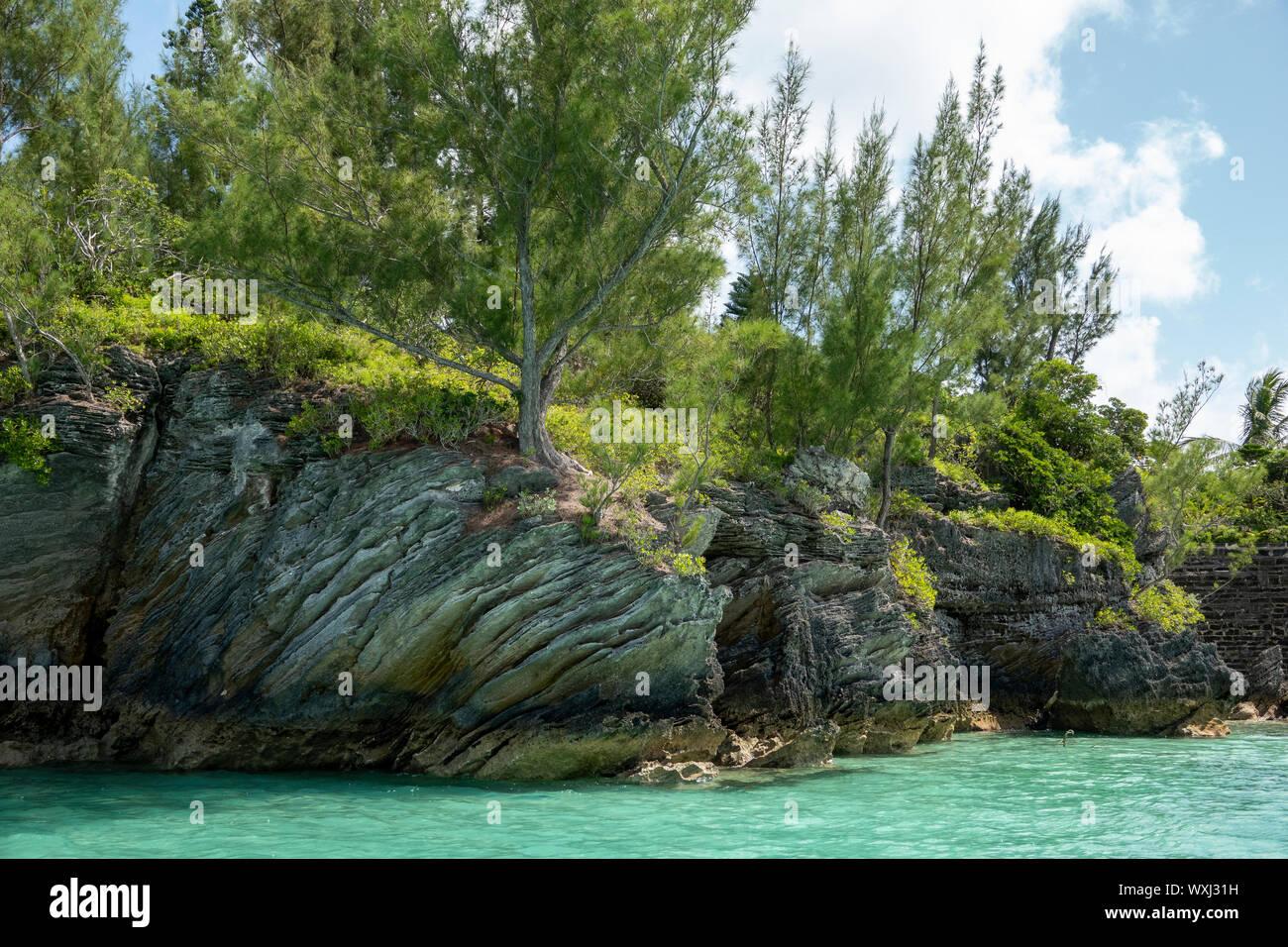 Formations rocheuses côtières sur l'île des Bermudes Banque D'Images