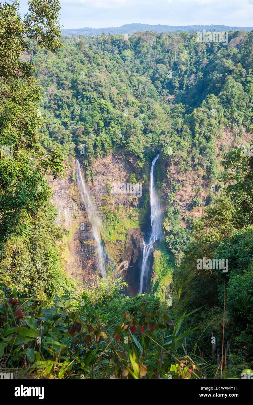 Superbe cascade de Tad Fane, ci-dessus, le Laos Paksong Banque D'Images