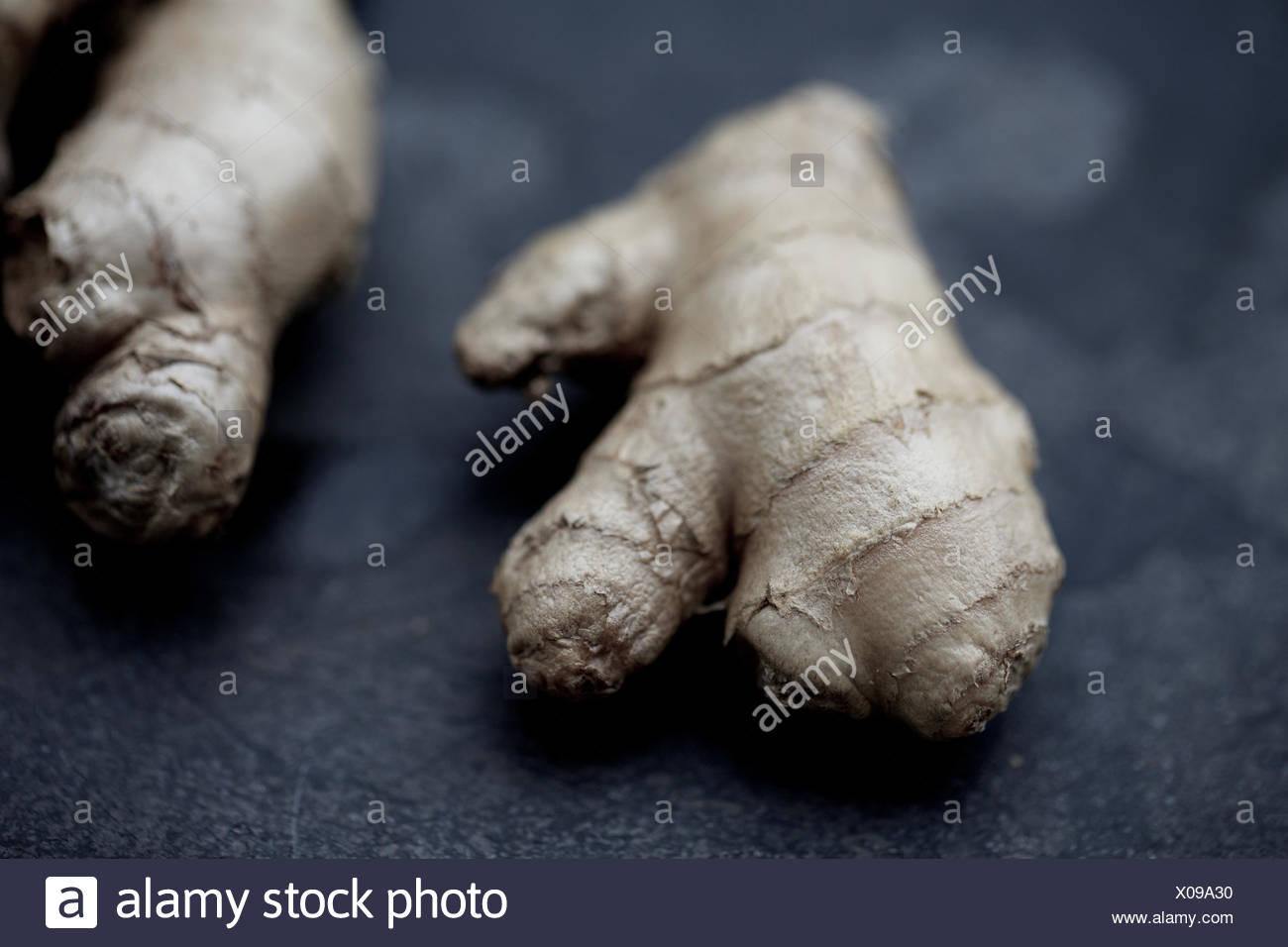 Le gingembre cru frais, d'épices, de l'ingrédient., produits bio. Photo Stock