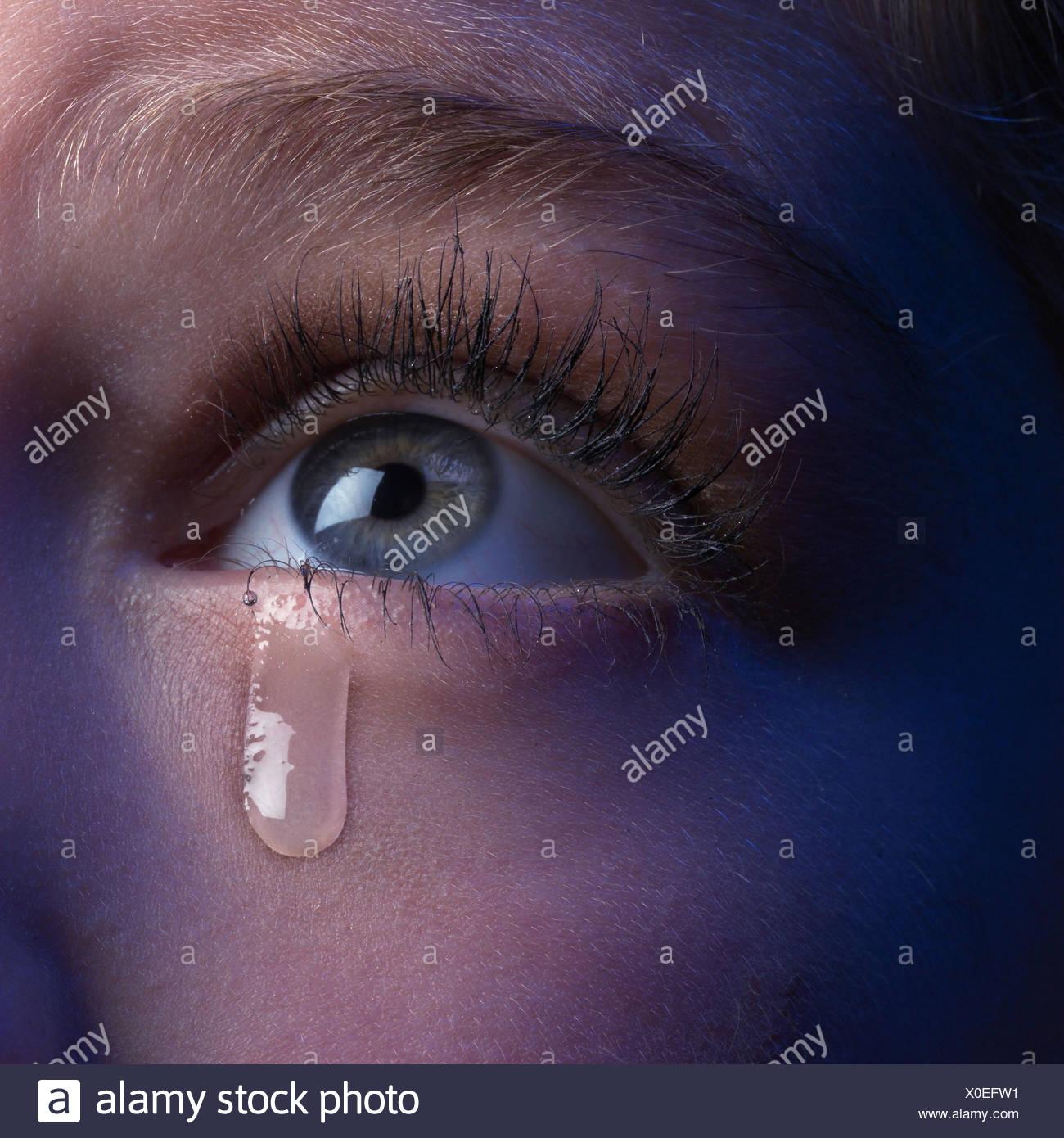 Femme En Larme femme, look, détail, oeil, larme, close up, jeune, de l'oeil, yeux