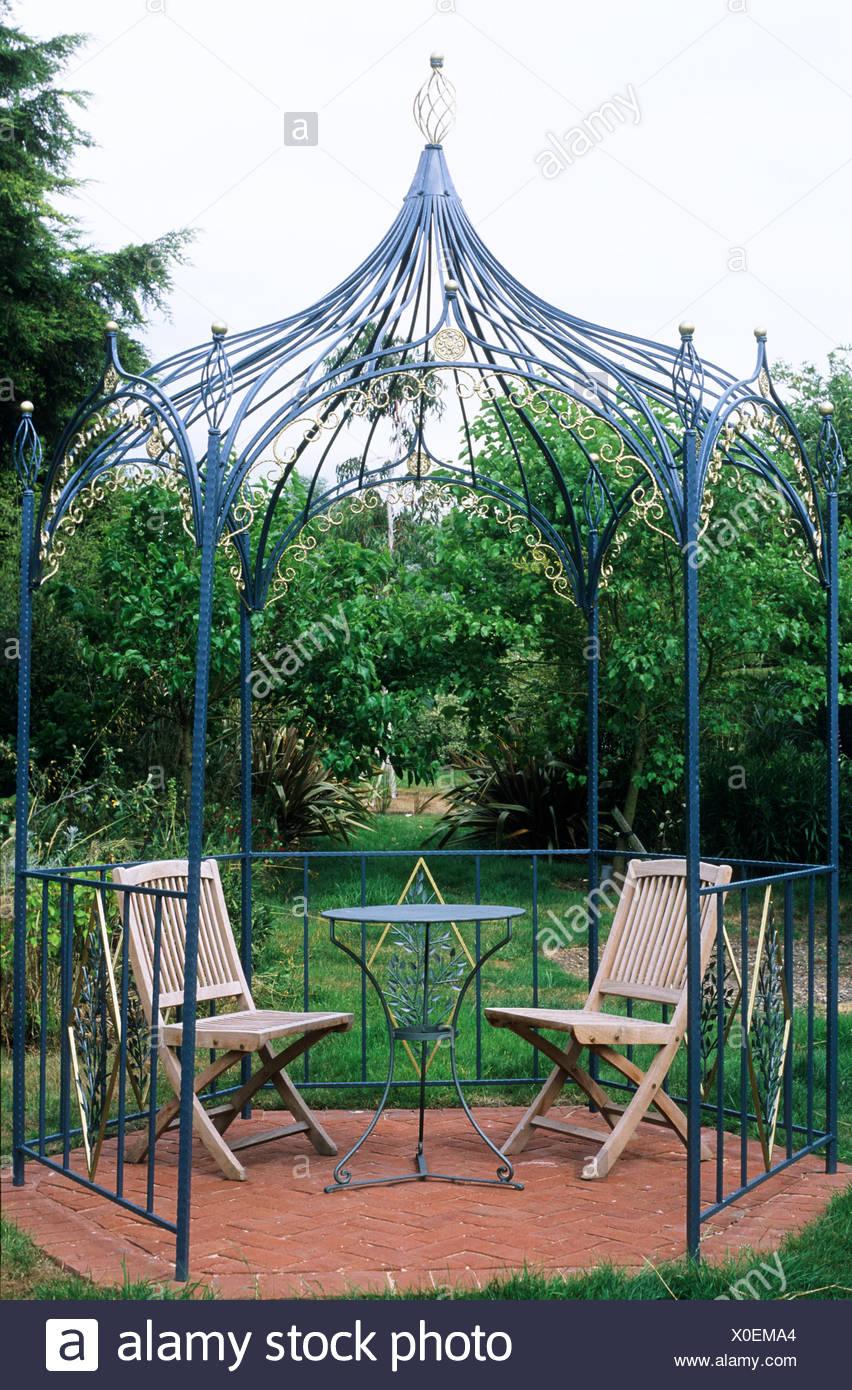 Tonnelle, pergola, fer forgé, mobilier de jardin, coin salon ...