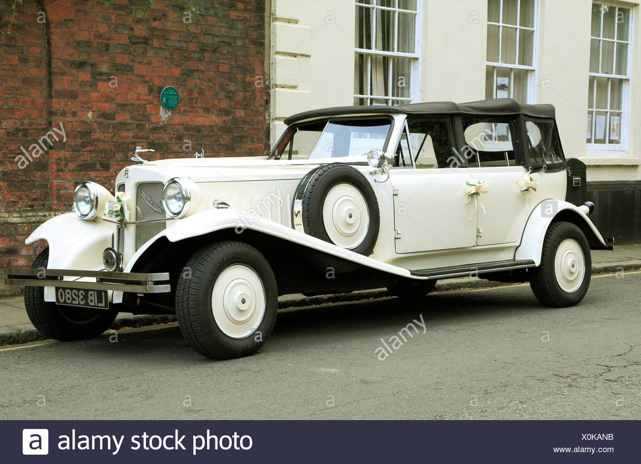 Suite nuptiale mariage Vintage automobile voiture voitures automobiles Beauford, Photo Stock
