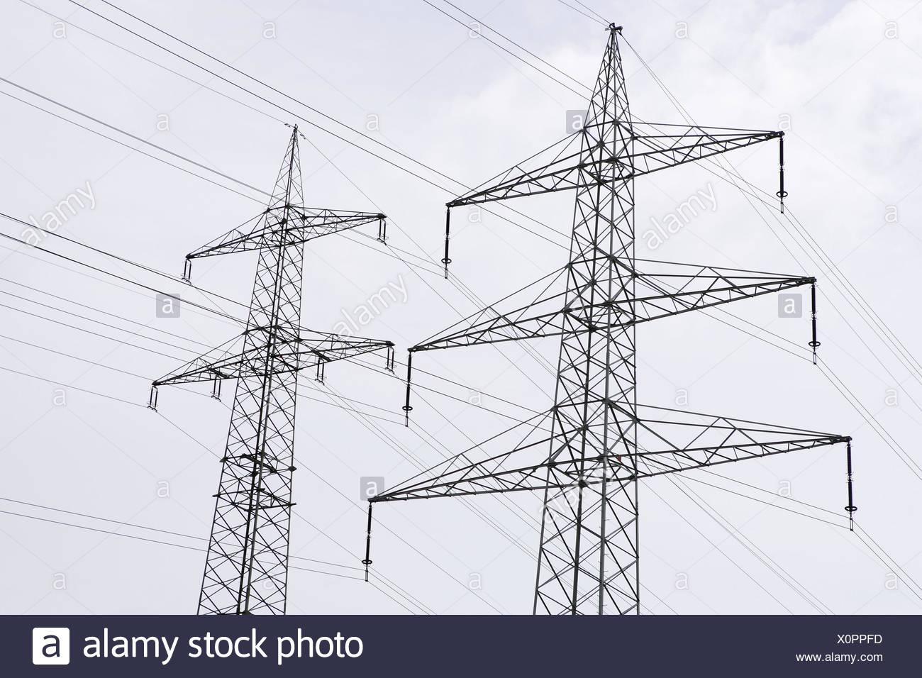 Les Poteaux à Haute Tension Détail Pylônes Mâts La Construction