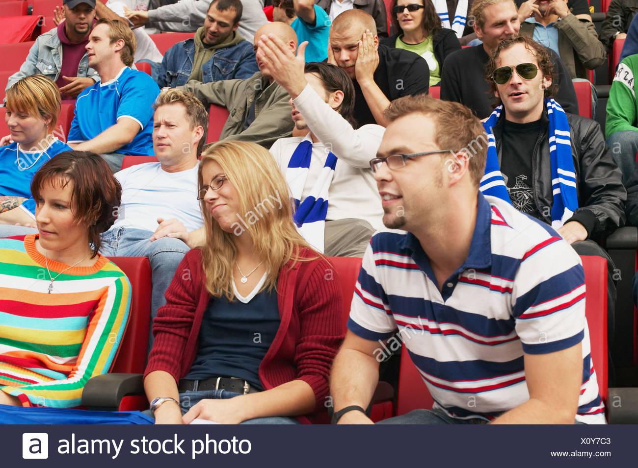 Les supporters de football tamisée Photo Stock