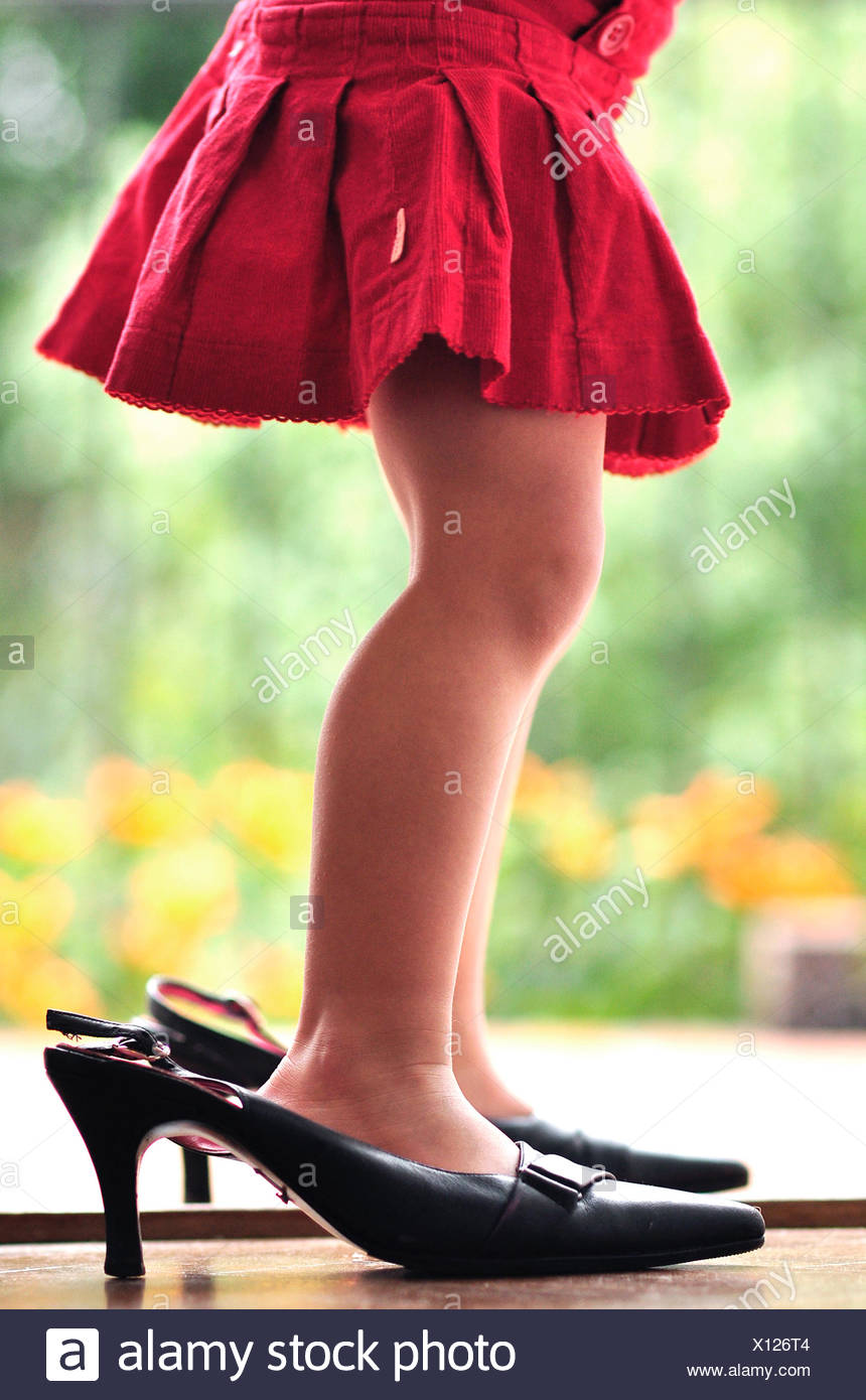 Les jambes de girl (2-3) in High heels Photo Stock