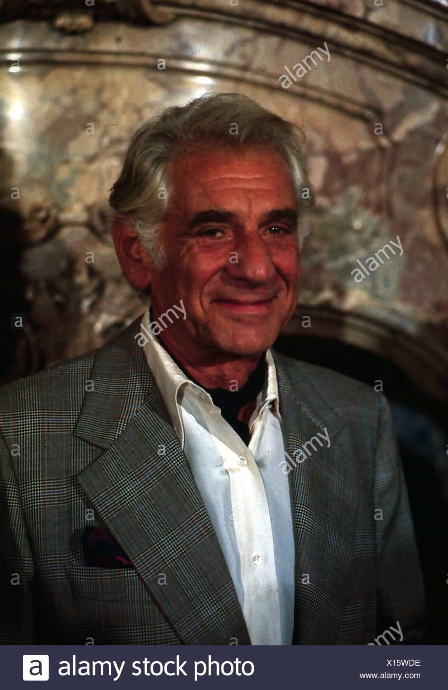 Bernstein, Leonard, 25.8.1918 - 14.10.1990, chef d'orchestre, compositeur, portrait, fin des années 80, smiling, Photo Stock