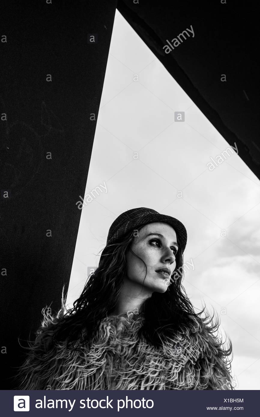 Portrait of a Mid adult woman Banque D'Images