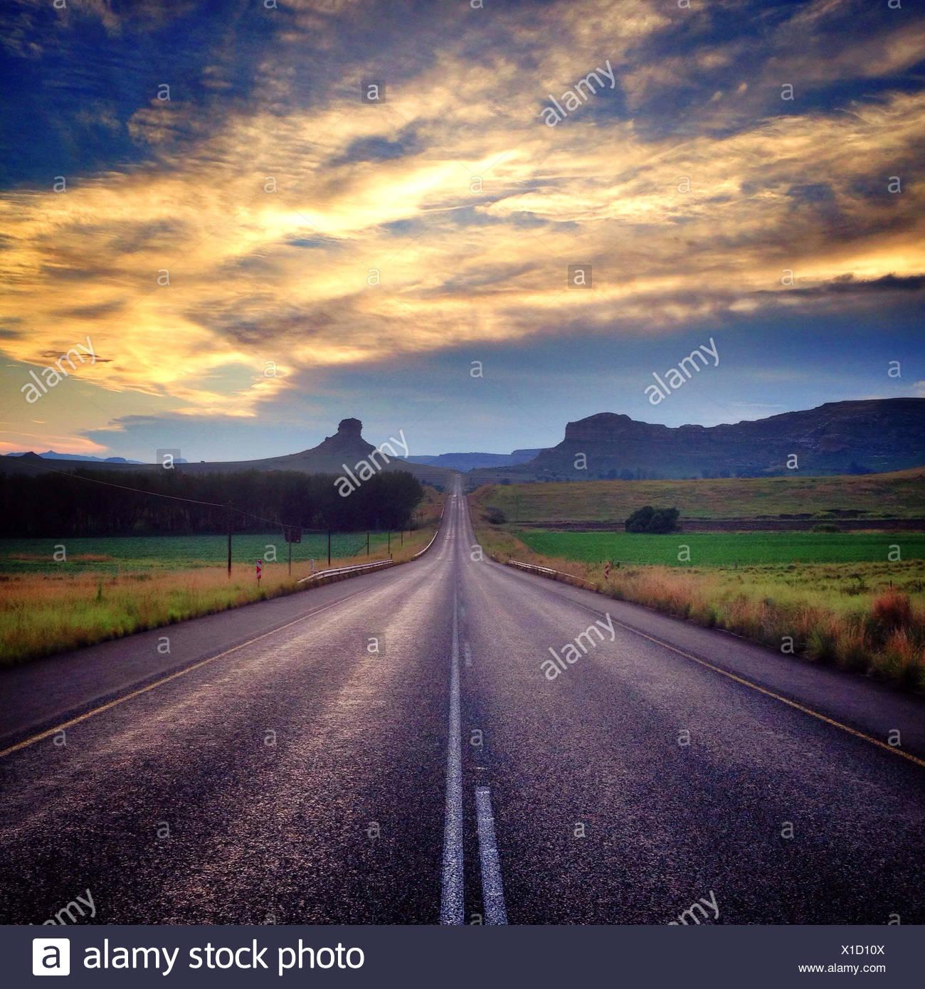 RSA, Free State, Mangaung Metropolitan Municipality, Bloemfontein, Bayswater, Clarens, abandon Hill Coucher du Soleil Photo Stock