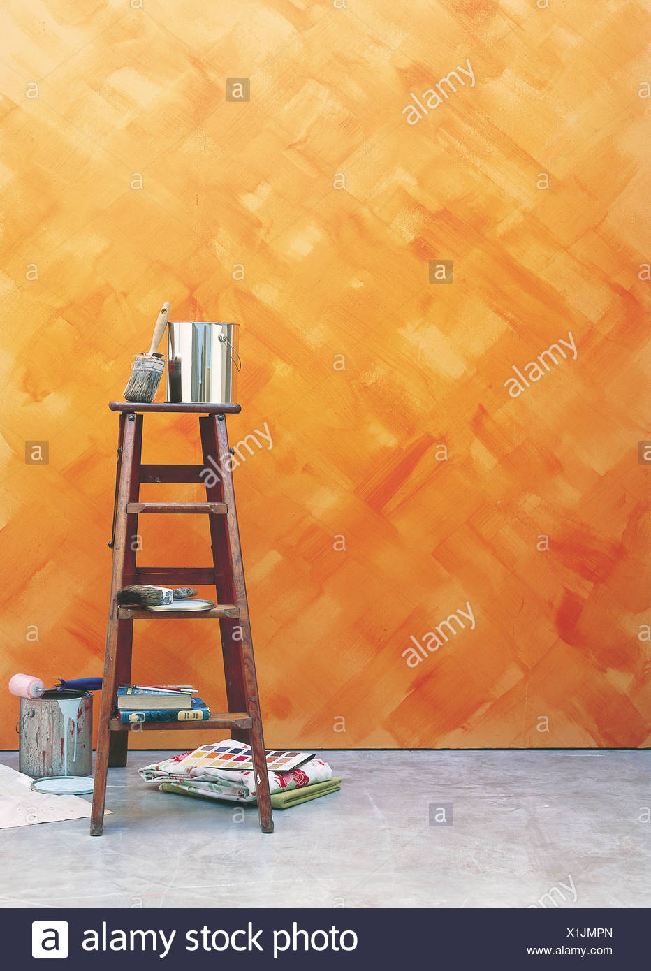 Touches De Finition Peint Mur Orange En Effet Criss Cross