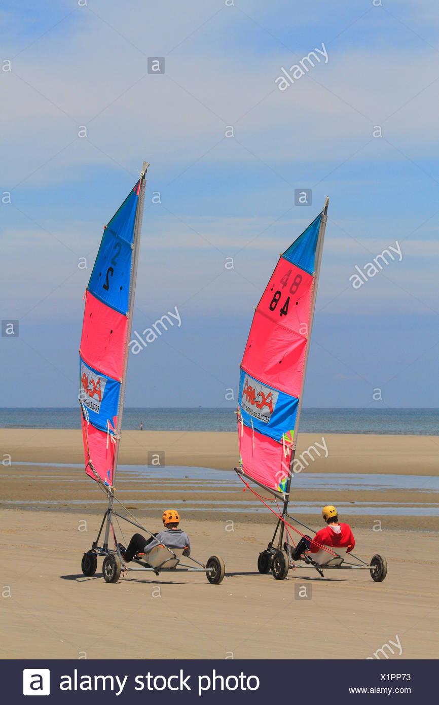 La France La France Du Nord Cote Nord Berck Sur Mer Char A Voile Photo Stock Alamy