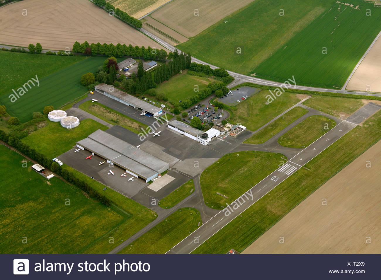 Vue aérienne de l'avion, l'aérodrome d'aviation générale, hangar, piste de l'aérodrome EDLM marnes, marnes, région de la Ruhr Banque D'Images