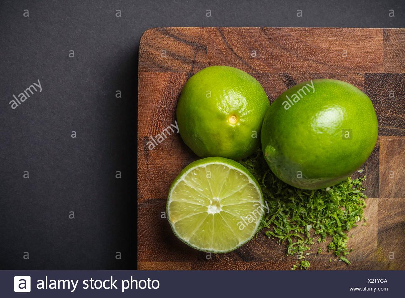Ingrédient pour la fabrication de pâte de curry vert - vert lime Photo Stock