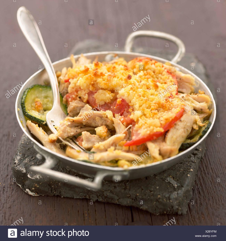 Landes crumble salé de légumes et poulet Photo Stock