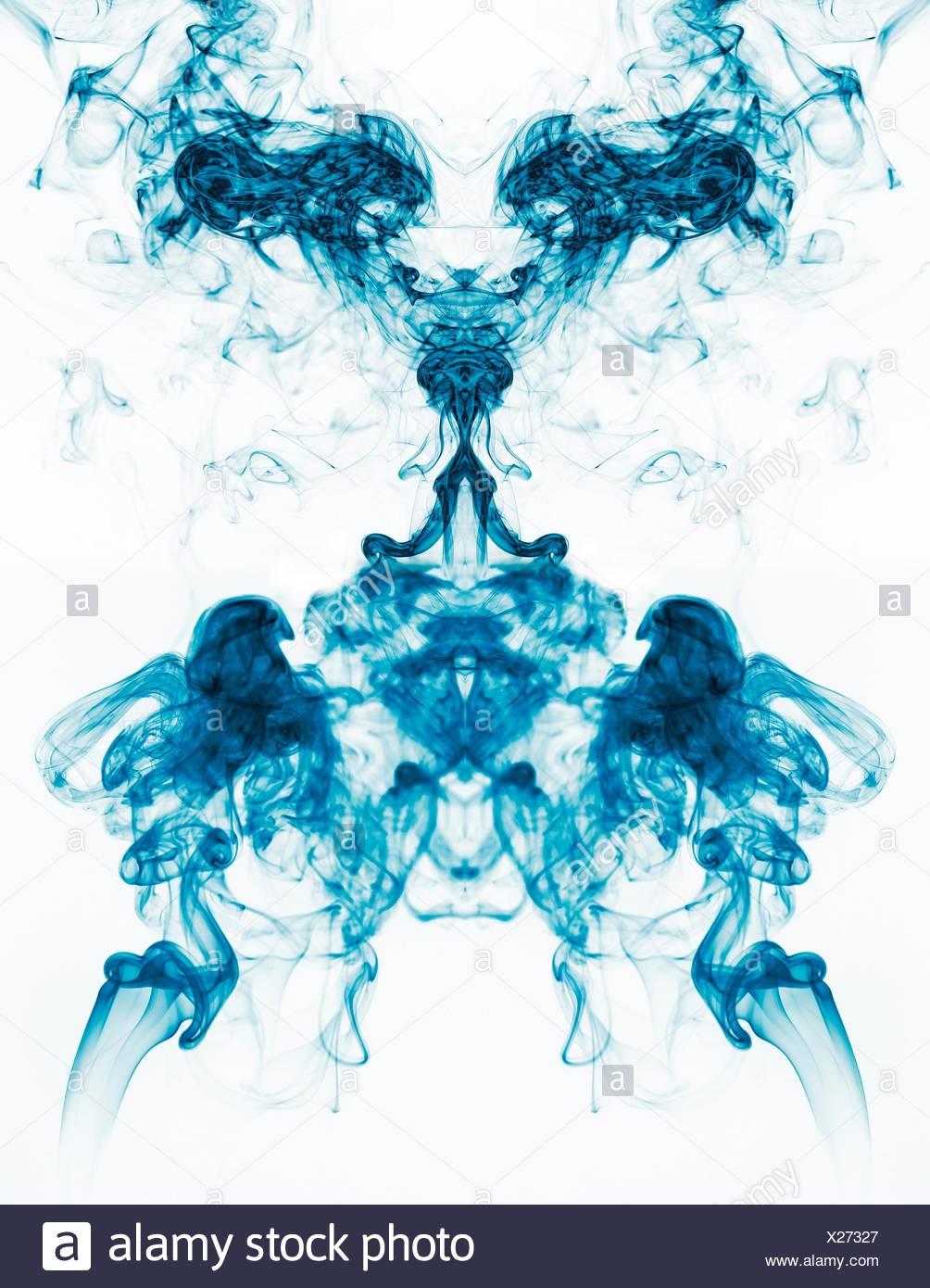 Image conceptuelle de symétrie verticale de forme unique Photo Stock