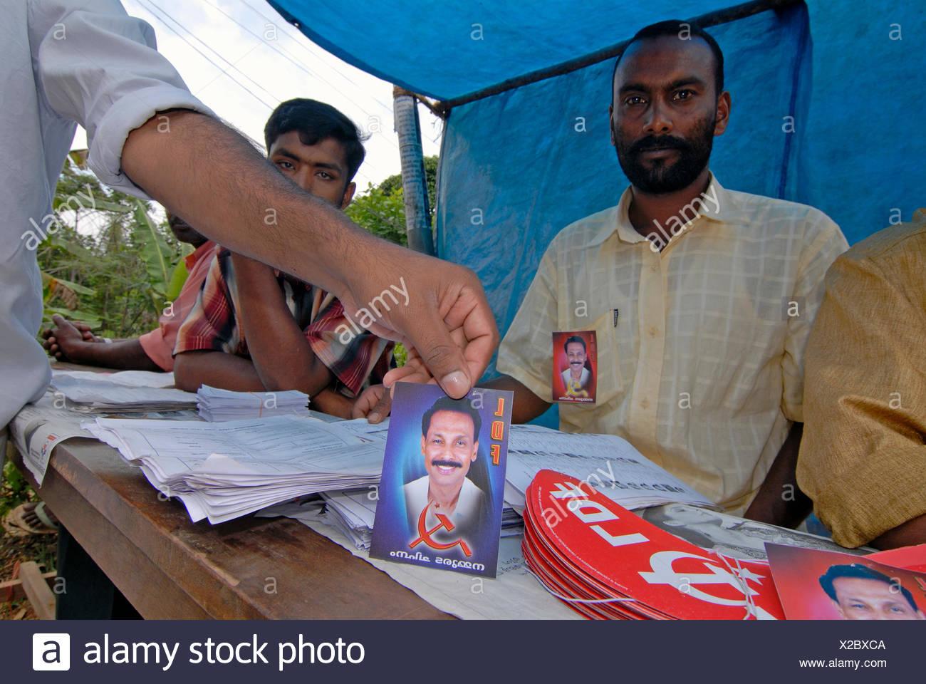 Les partisans du Parti communiste du Kerala, Thekkady, Kerala, Inde du Sud, Inde Photo Stock