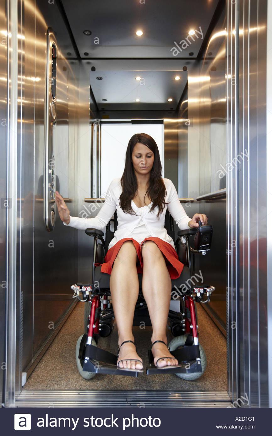 Fauteuil roulant électrique intelligent développé par Santé et qualité de vie, l'unité de recherche en technologie FIK programme pour personnes âgées et Photo Stock