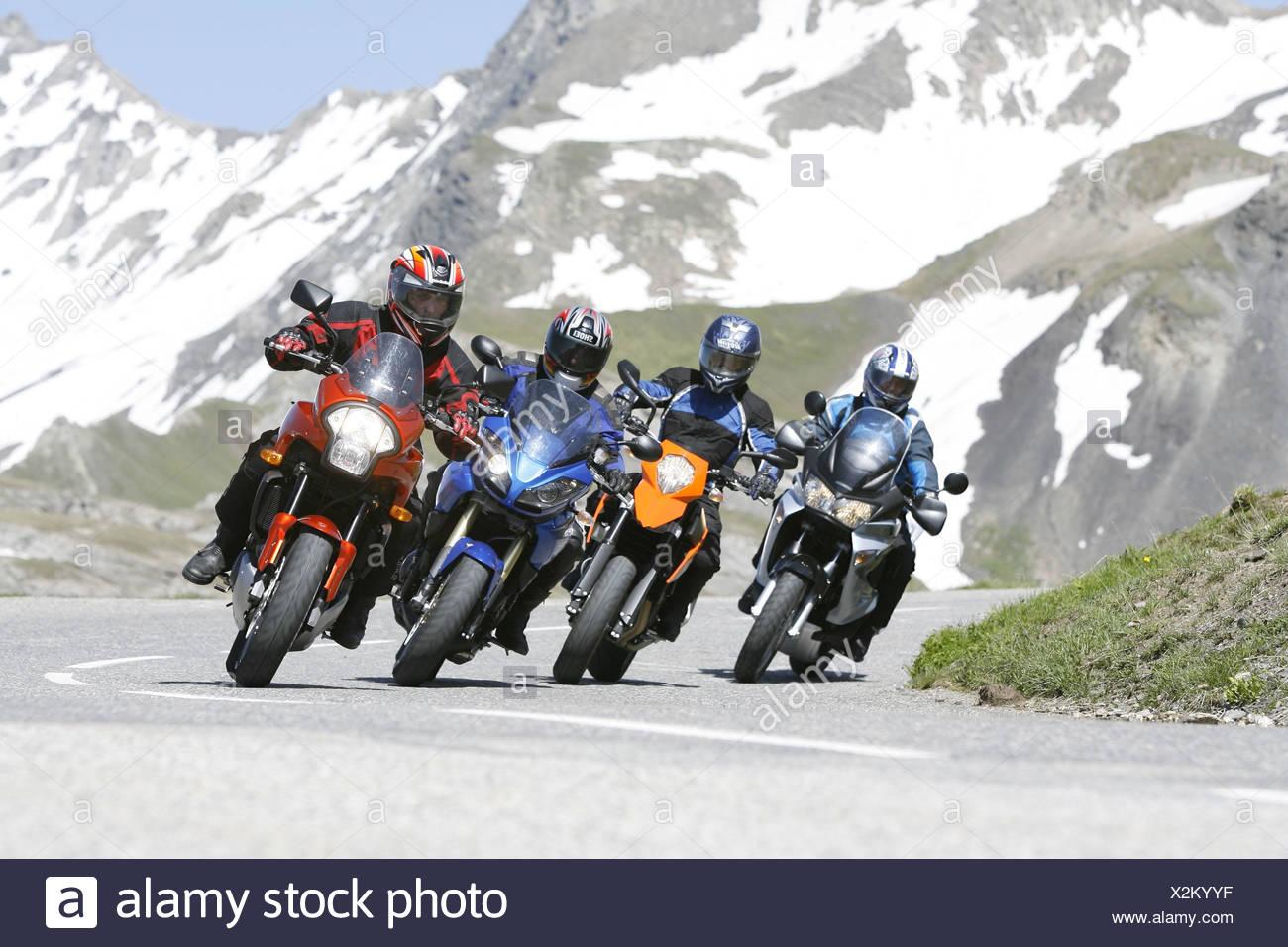 Des motos, de l'alp scenery Banque D'Images