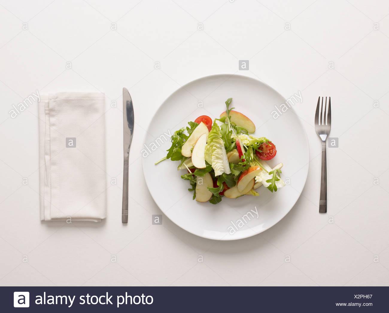 Une assiette de salade Photo Stock