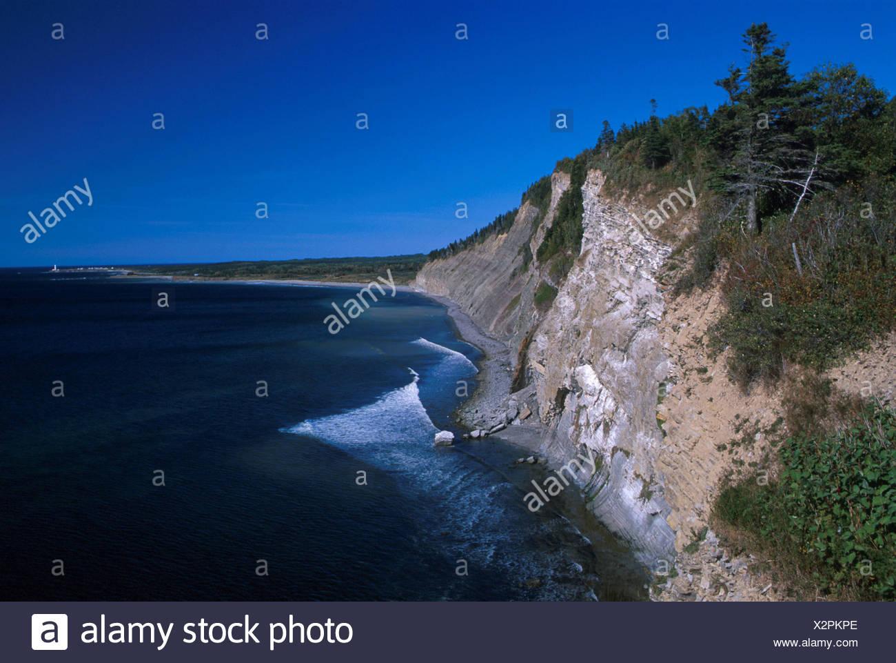 Canada Amérique du Nord Amérique latine Le cap Bon Ami cliffs coast Gaspésie Québec rock mer paysage paysages Photo Stock