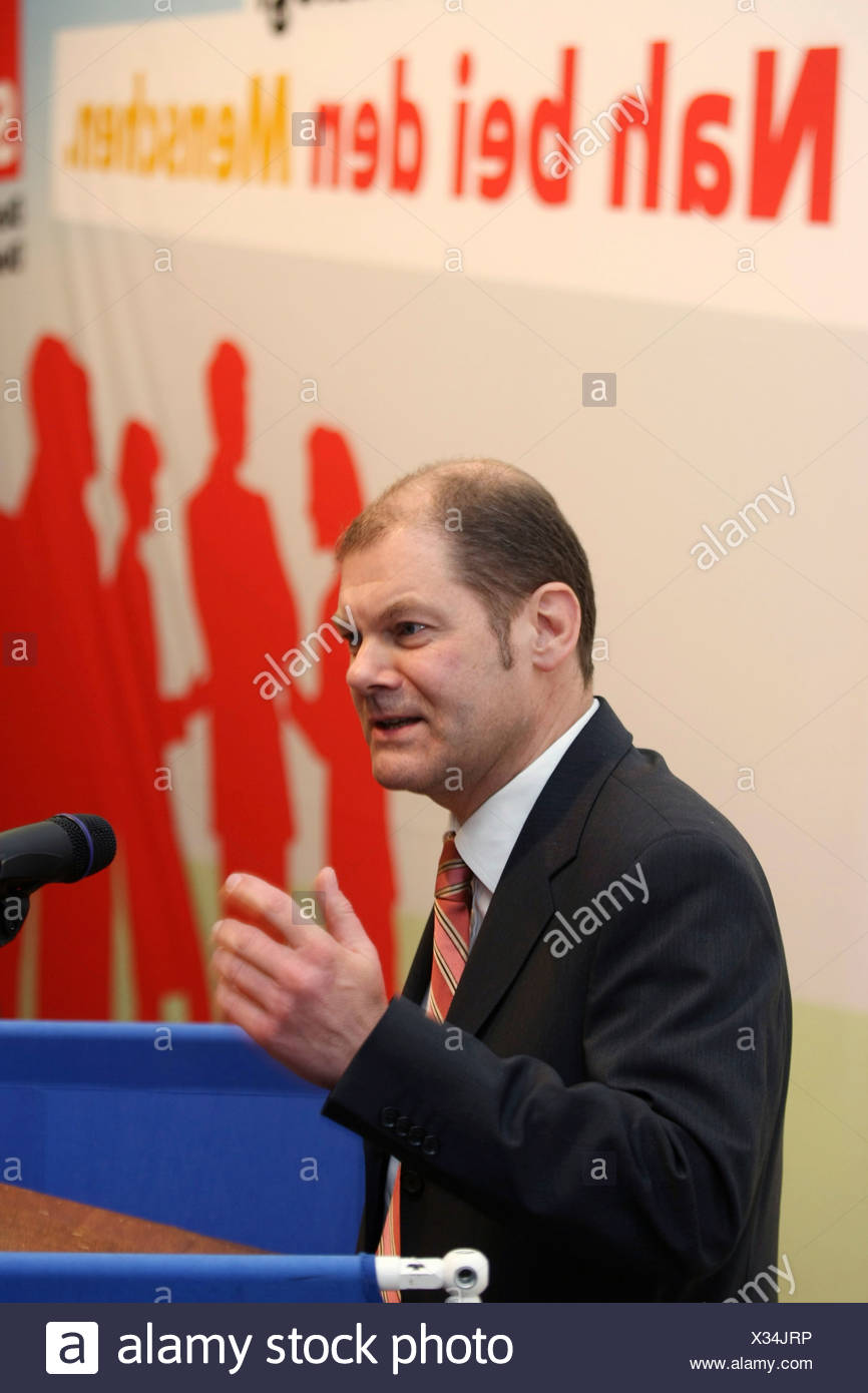Ministre fédéral du Travail Olaf Scholz (SPD) s'exprimant à Weissenthurm, Allemagne, 01.04.2008 Photo Stock