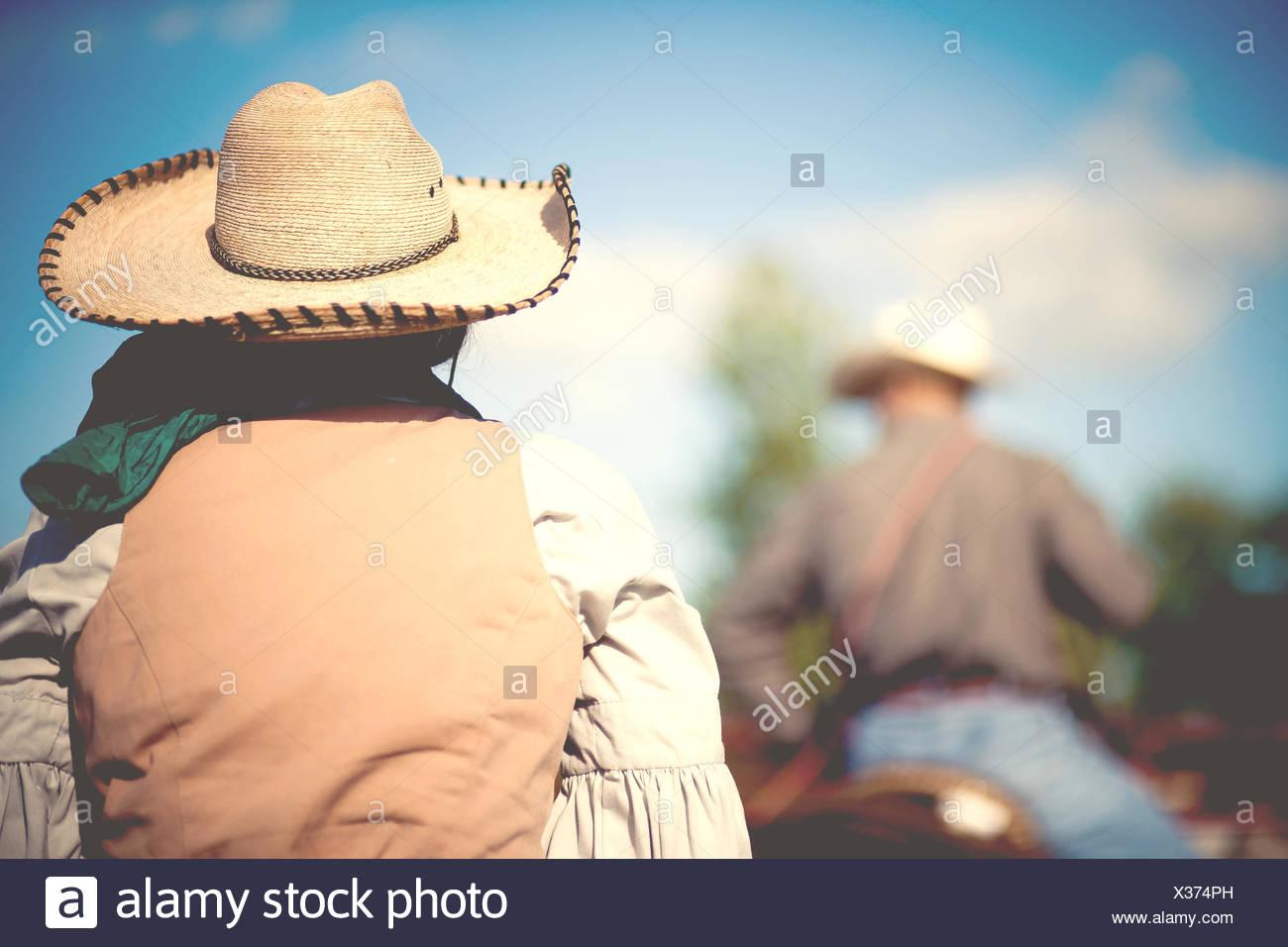 USA, New York, vue arrière de personnes l'équitation Photo Stock