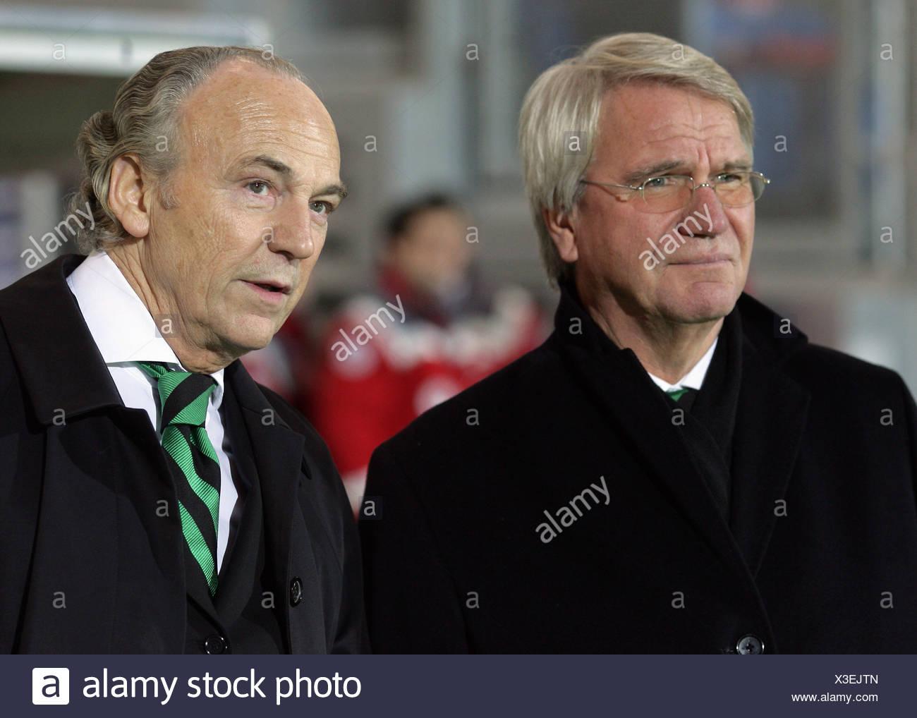 Président de la German soccer club Borrussia Moenchengladbach Rolf Koenigs (r.) et son vice Siegfried Soellner (l.) Banque D'Images