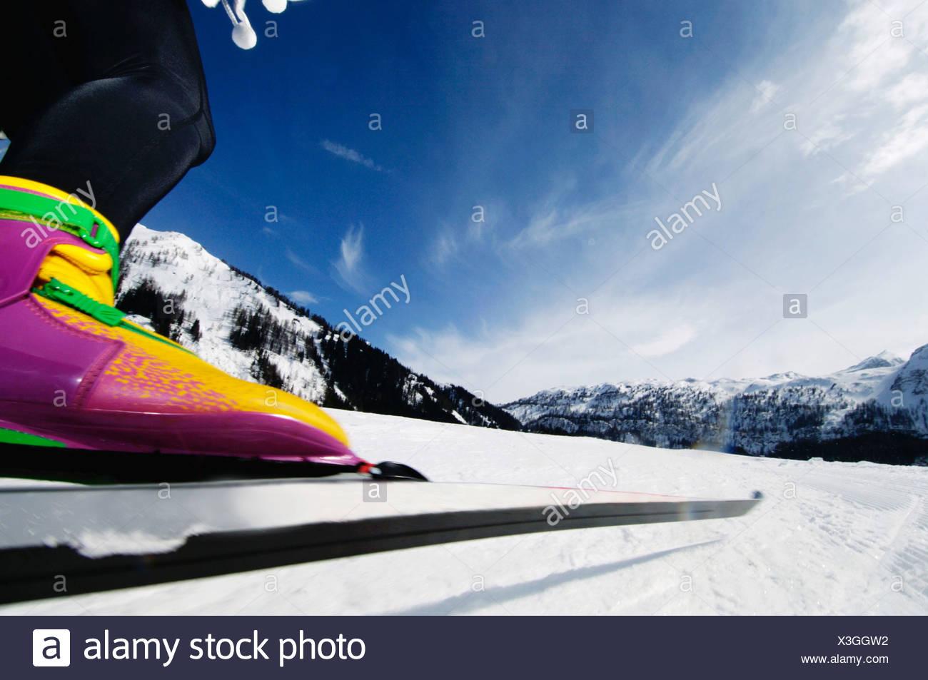 Femme ski de fond, low section Banque D'Images