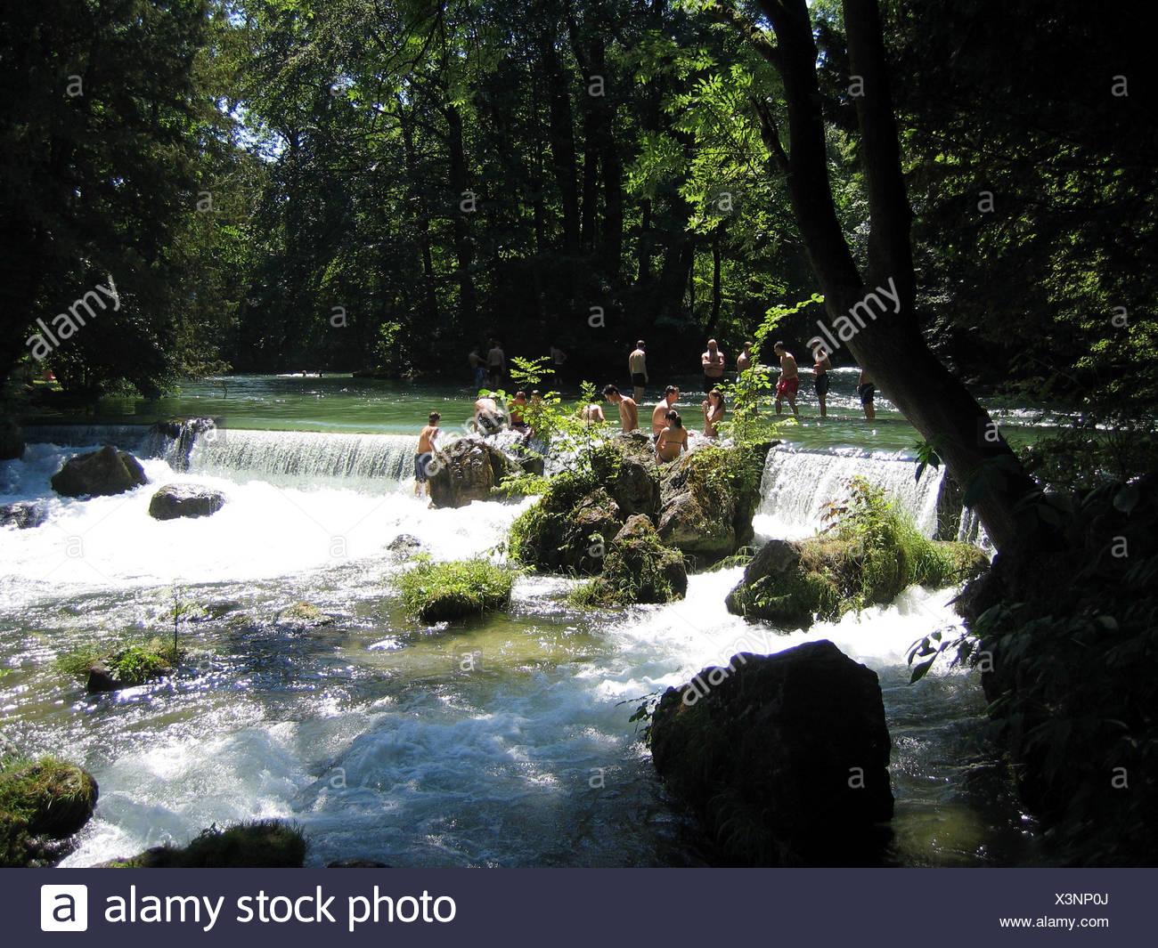 DIG Geo., BRD, Bayern, München, Englischer Garten, Wasserfall, Im