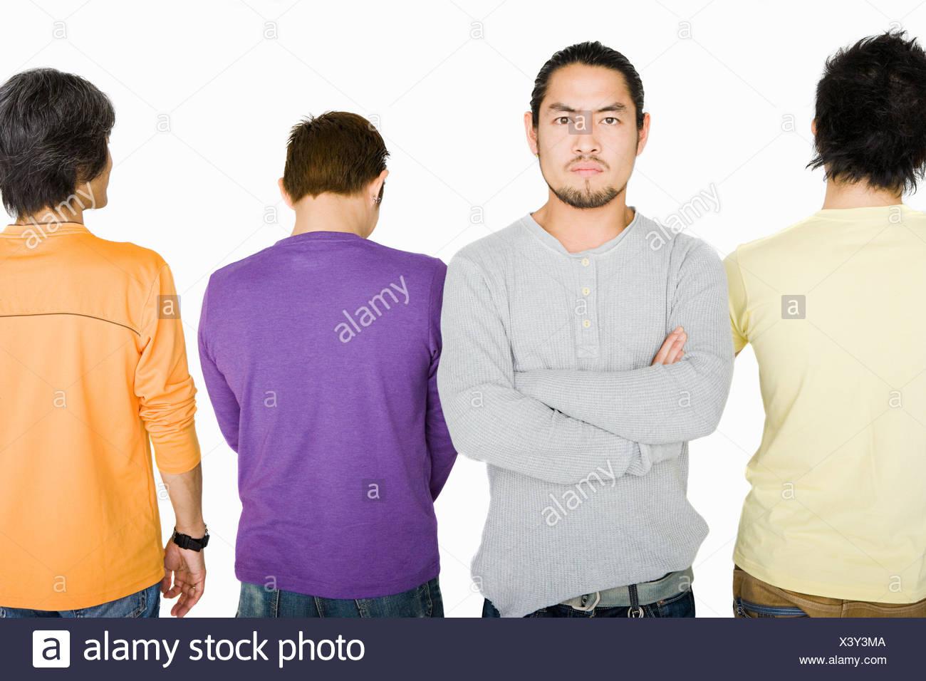 Homme en colère dans la rangée de personnes Photo Stock