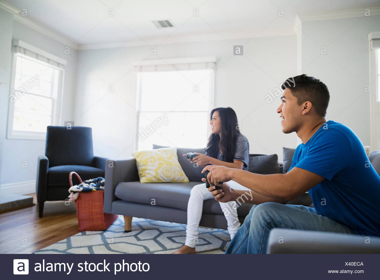 Teenage et jeux vidéos Photo Stock