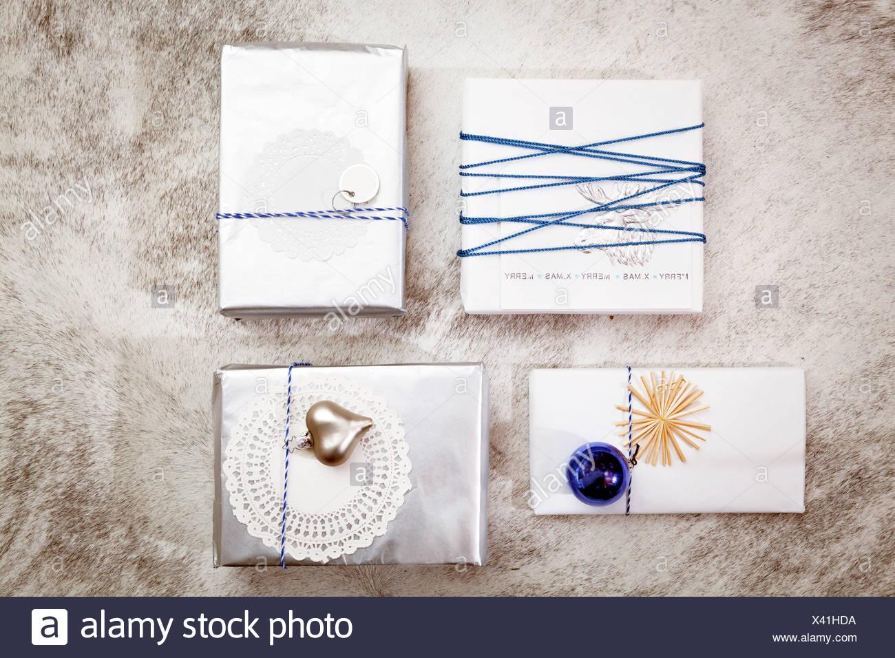 Décoration de Noël, variété de boîtes-cadeaux, Munich, Bavière, Allemagne Photo Stock